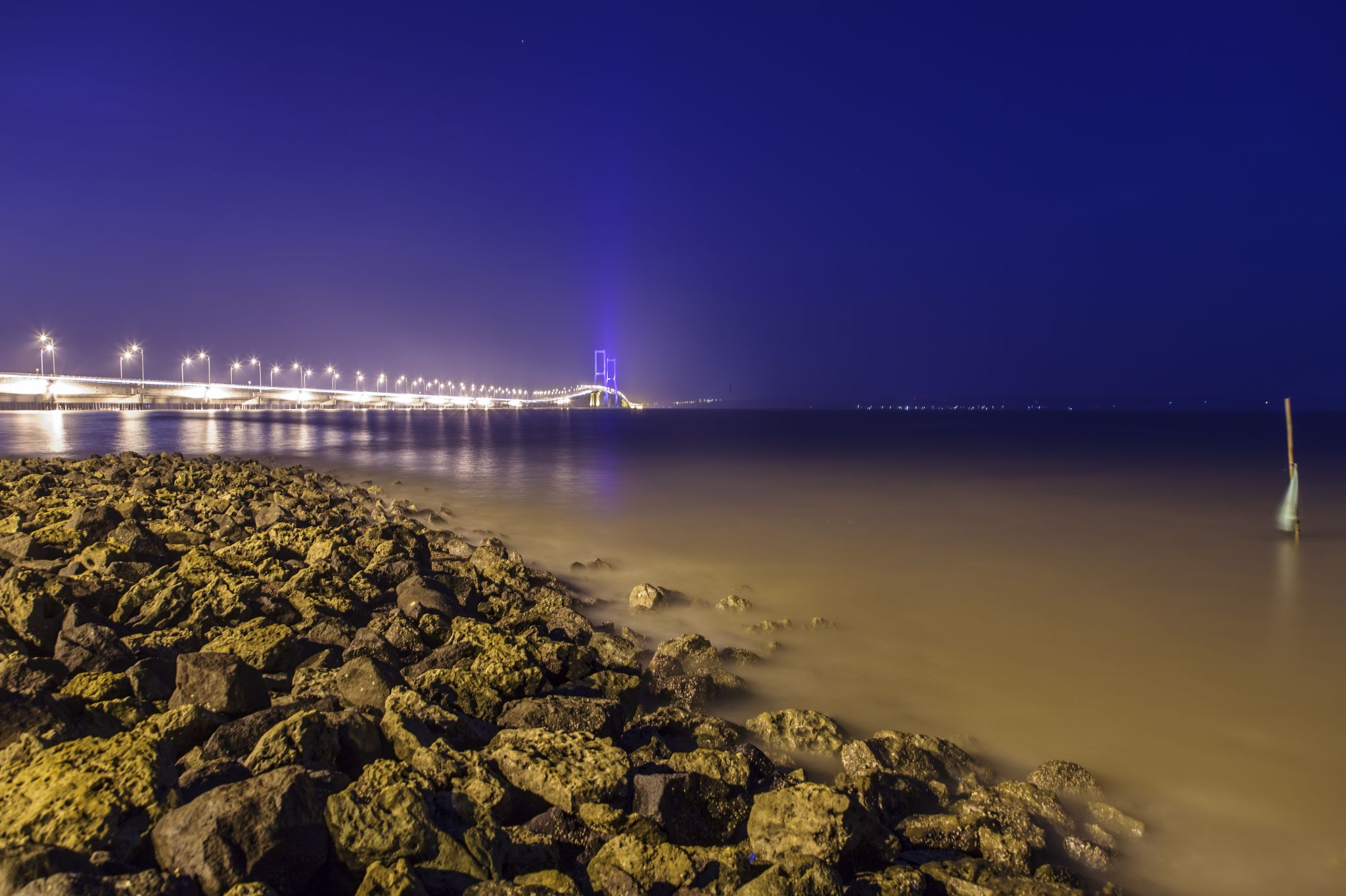 Beautiful long night with bridge. by Dika yudha rio p