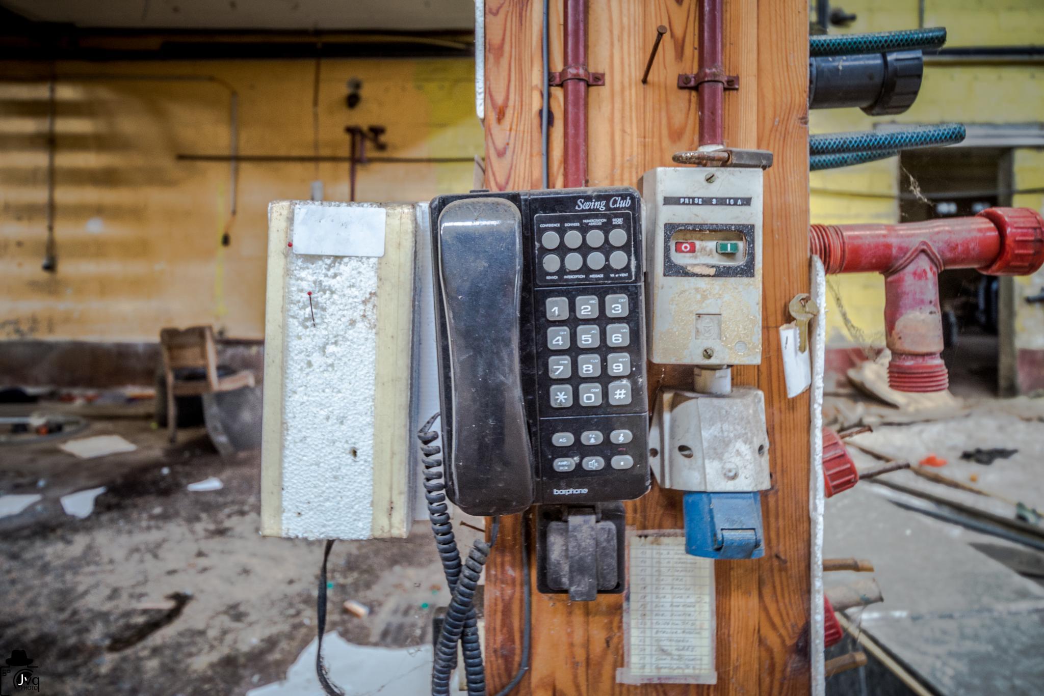 Gaston y a le telefon qui son.... Mais plus personne n est la pour y repondre.... by Le Baroudeur