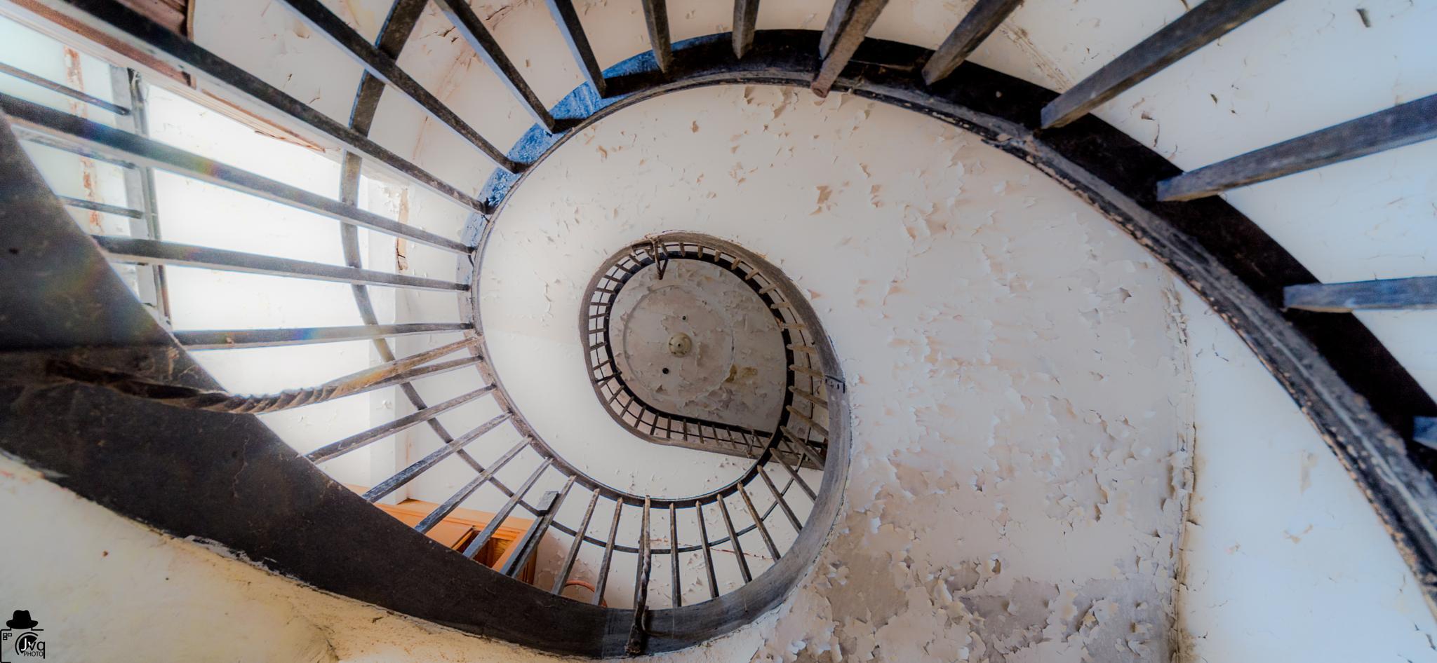 L'escalier by Le Baroudeur