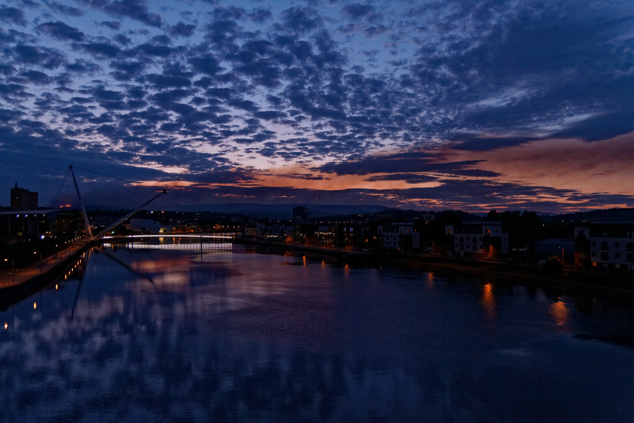 .. burning skies .. by Grzegorz Pytel