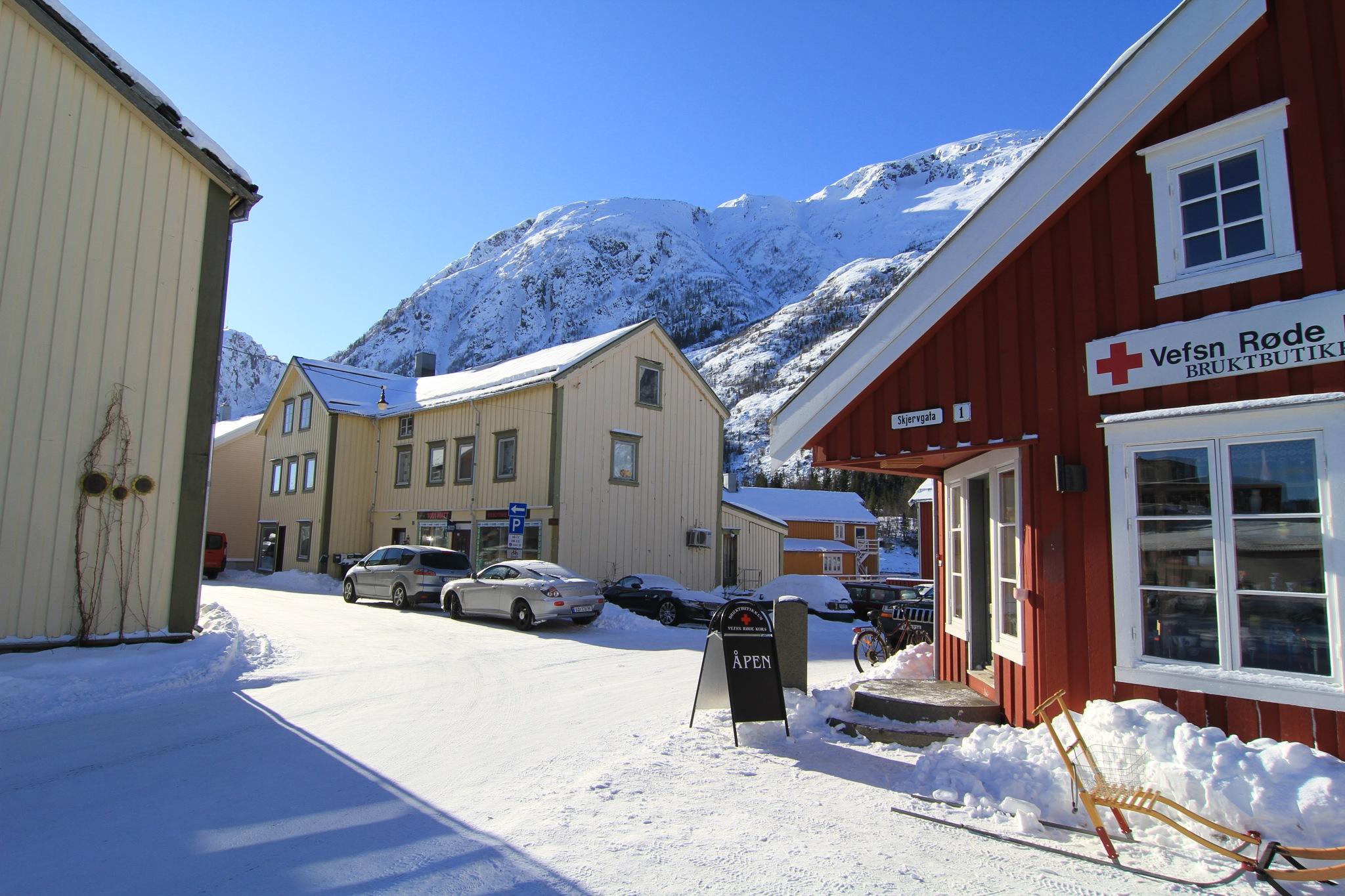 winter in town by vidar mathisen