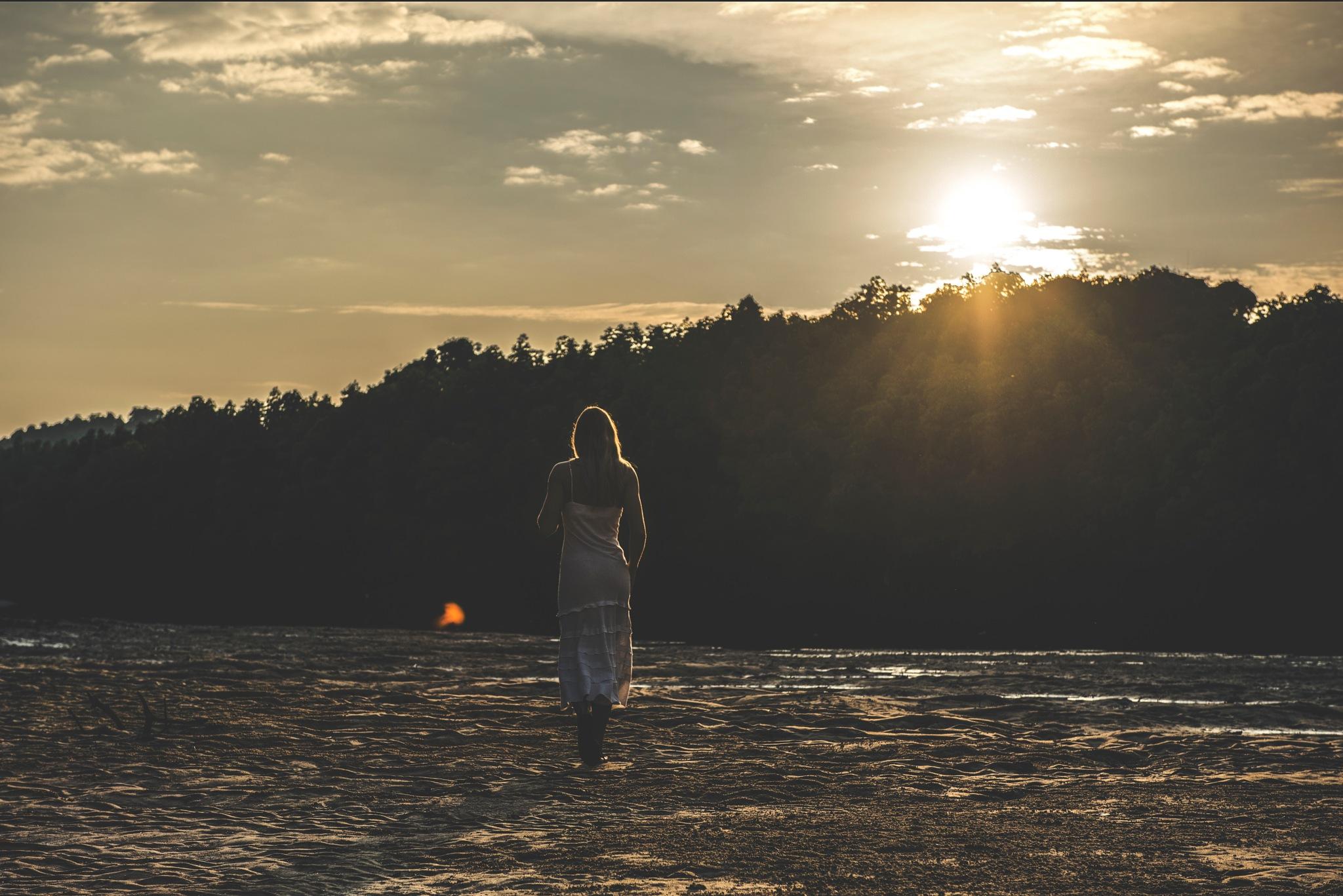 Sunset grace by Máté Bankhardt