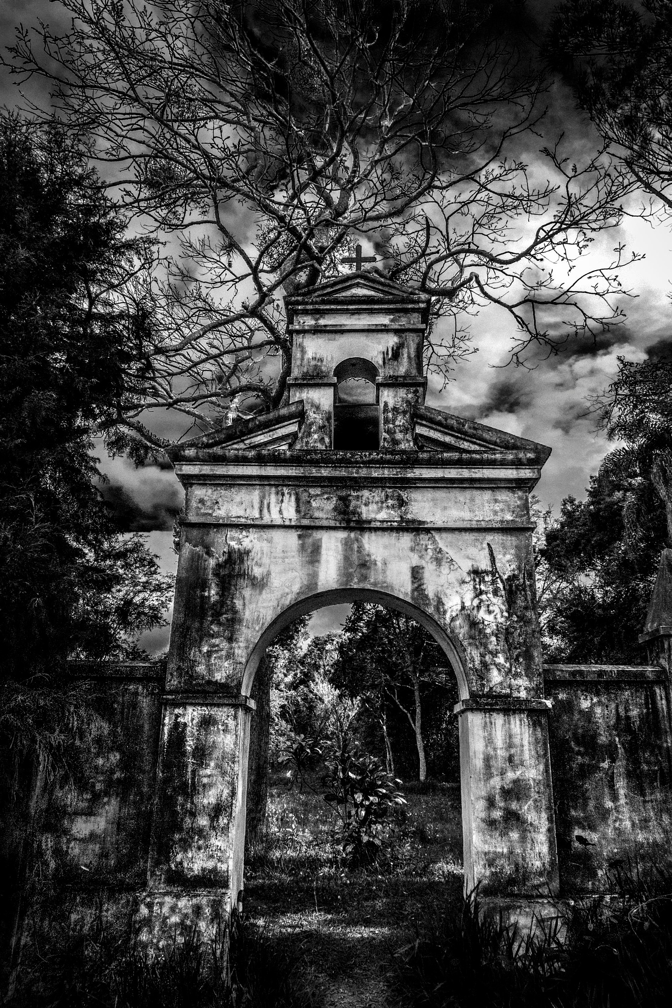 Ruins of church by sergiofernandes6767