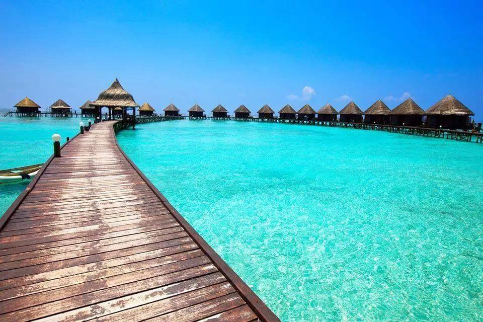 Maldives by Al Mamun
