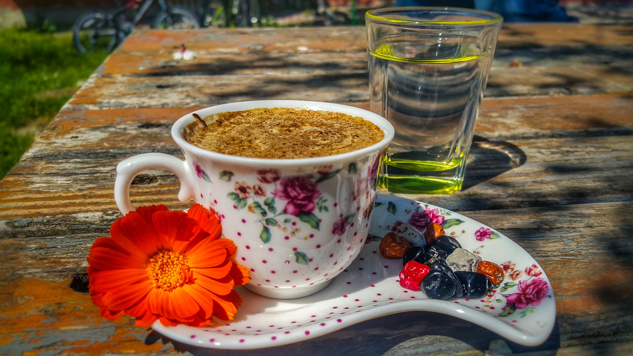 who want a coffee break ? by Serdar