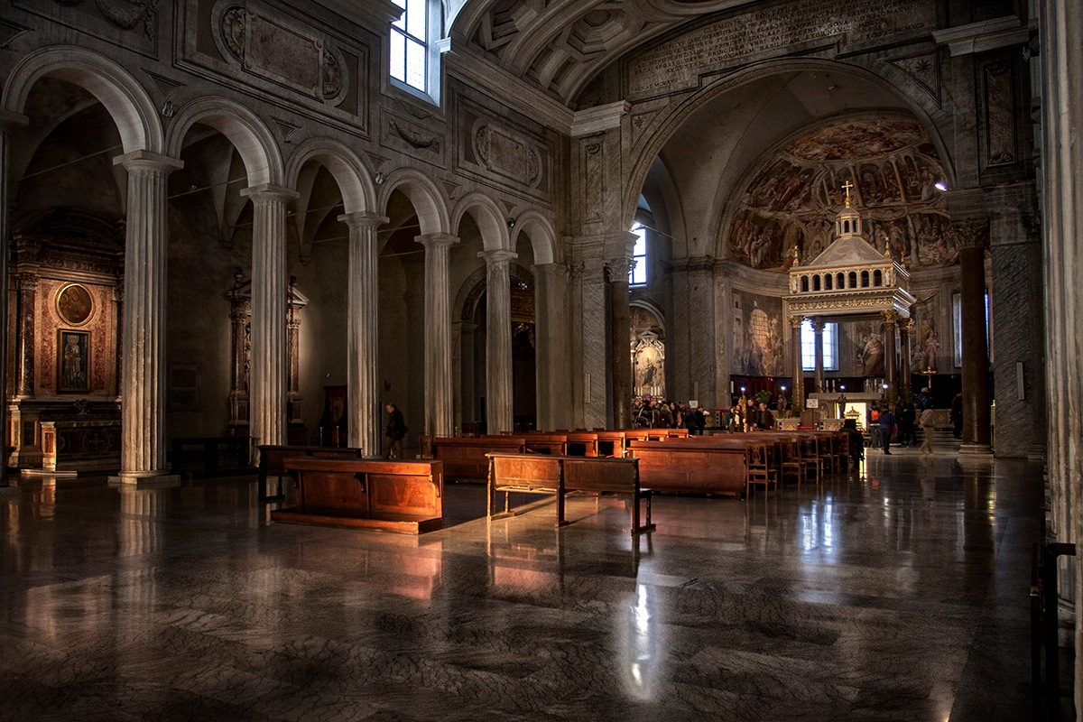 San Pietro in Vincoli by Michael Cowell
