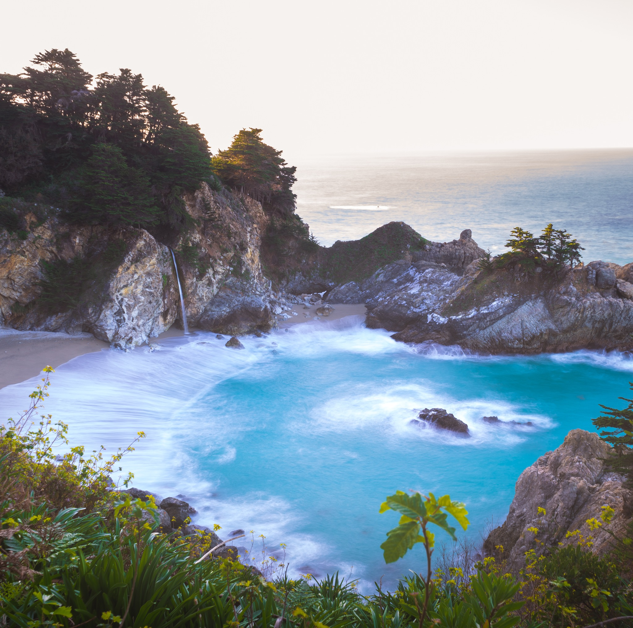 McWay Falls by Jesspher Mesia