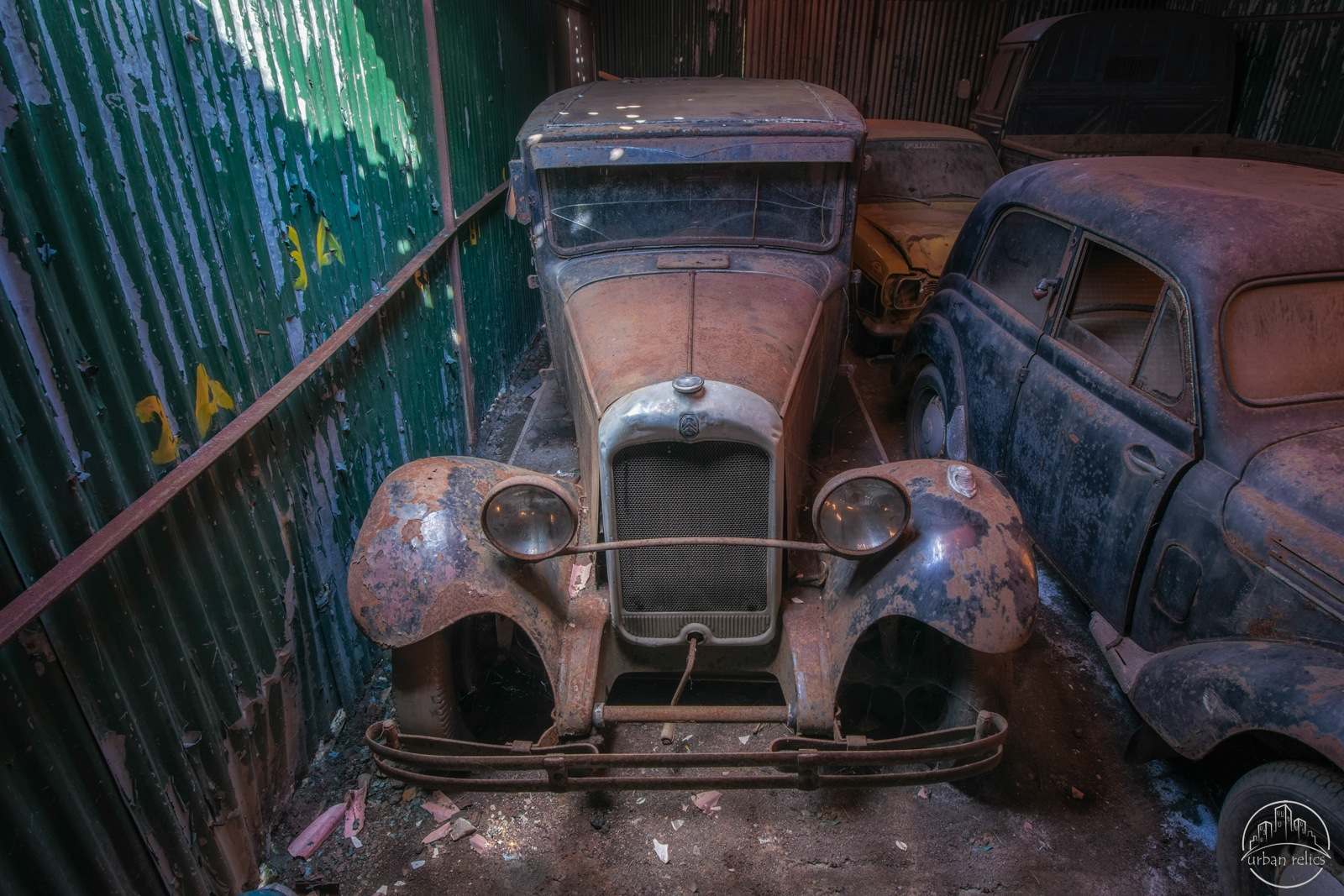 Barnfind by Urban Relics