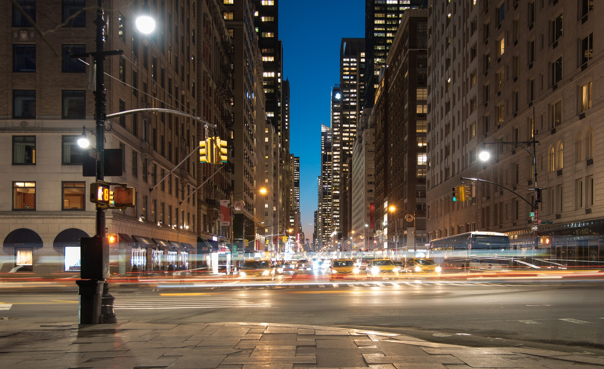 6th Avenue - New York by Oscar Vignone