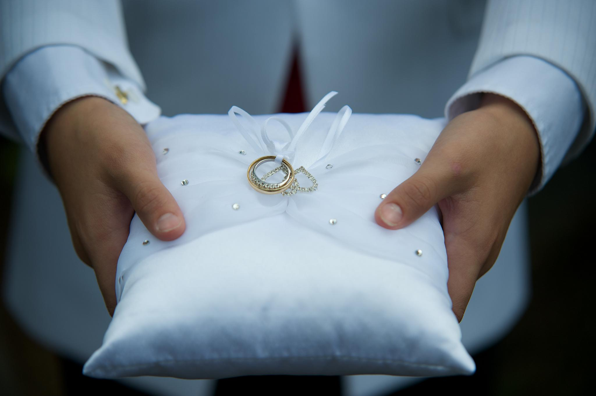 ring bearer by bobcoxphotography
