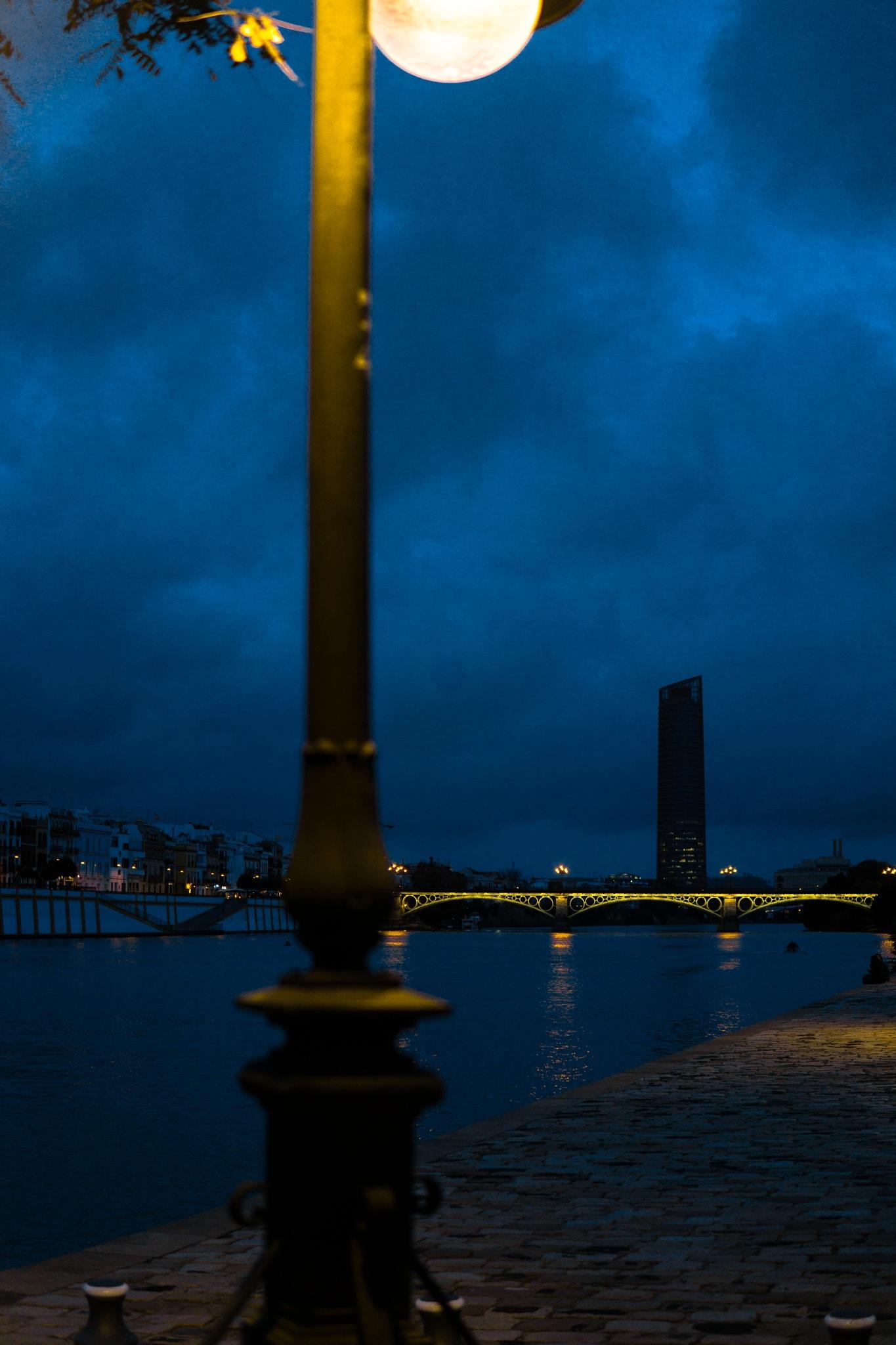 Waterfront. by Despreocupau