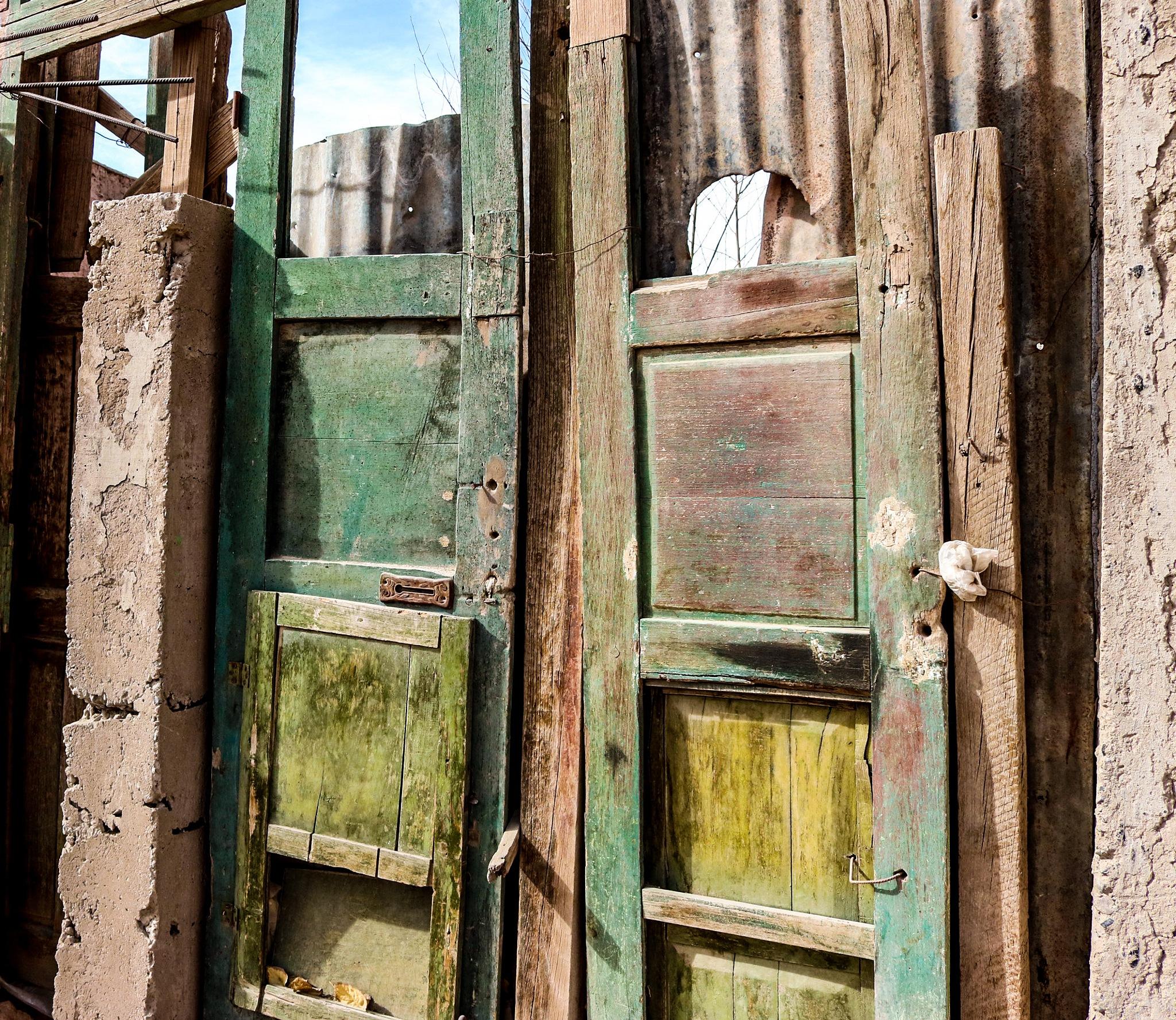 Puertas by Paula Figueroa