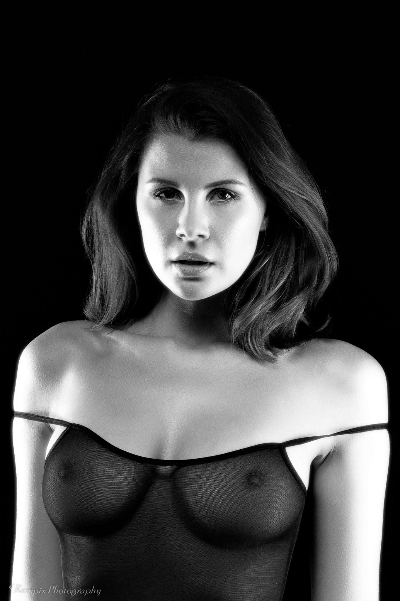 Olga Maria Kaminska by Rampix