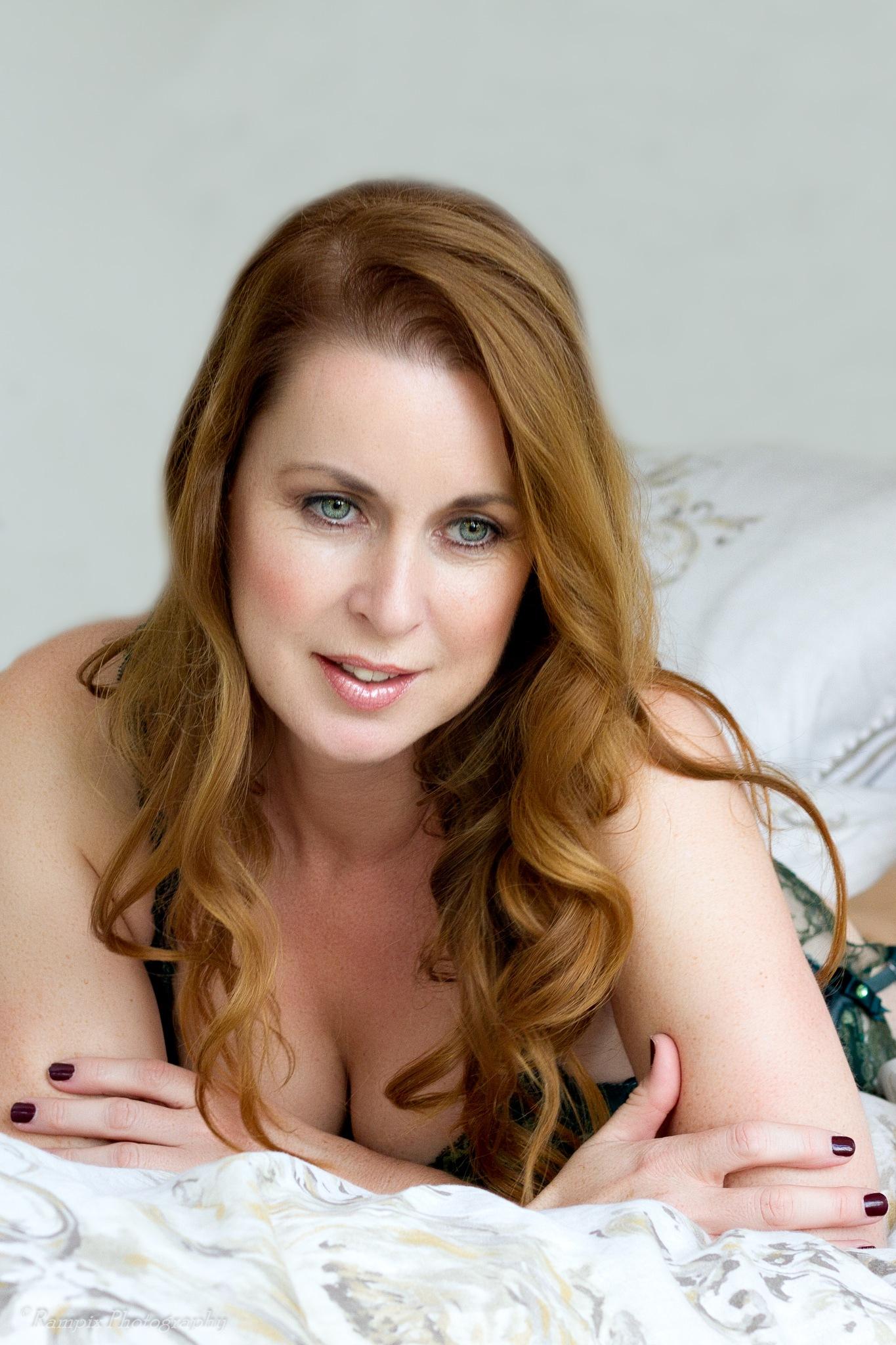 Sharon Janney by Rampix