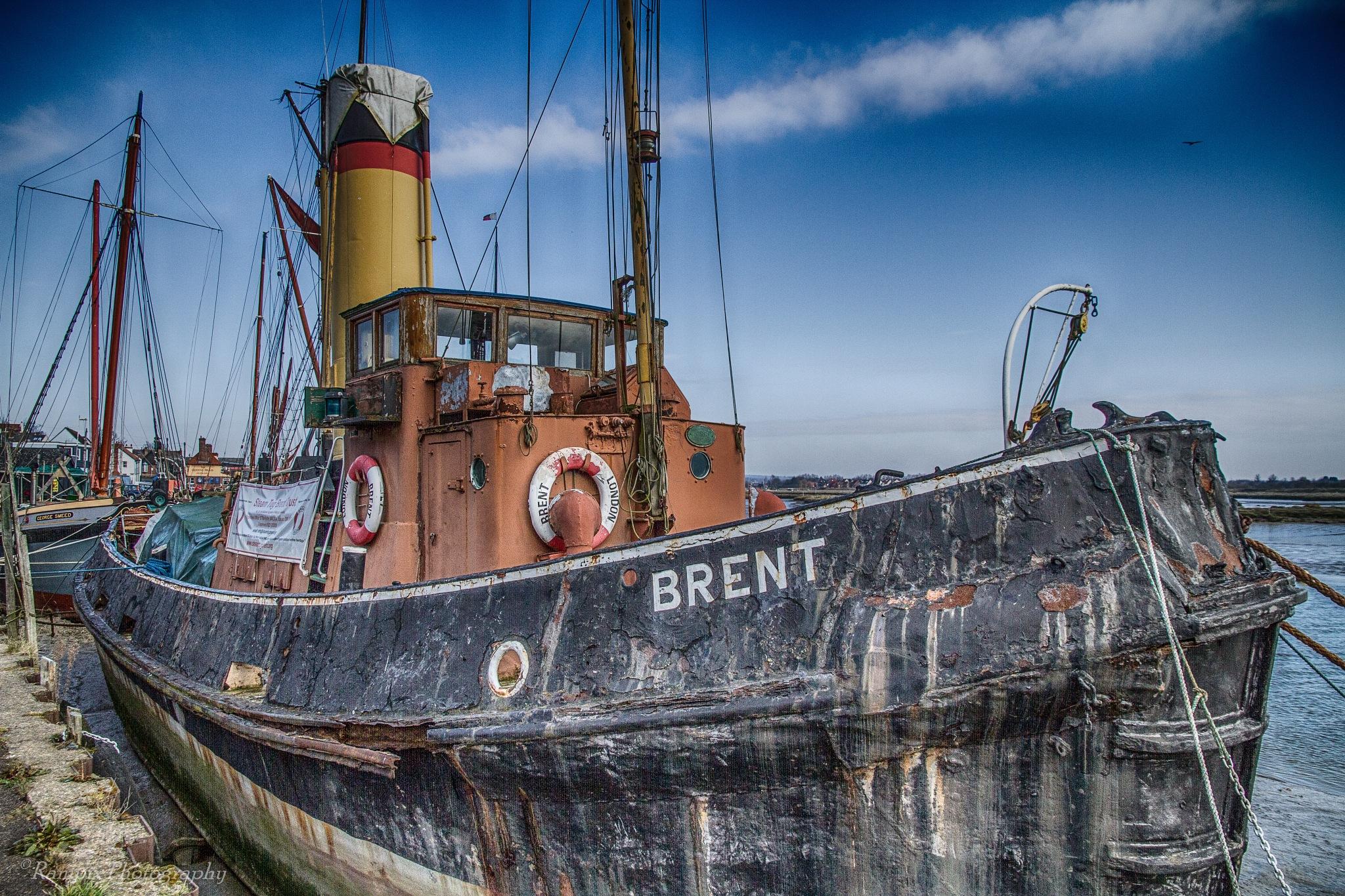Brent steam tug by Rampix
