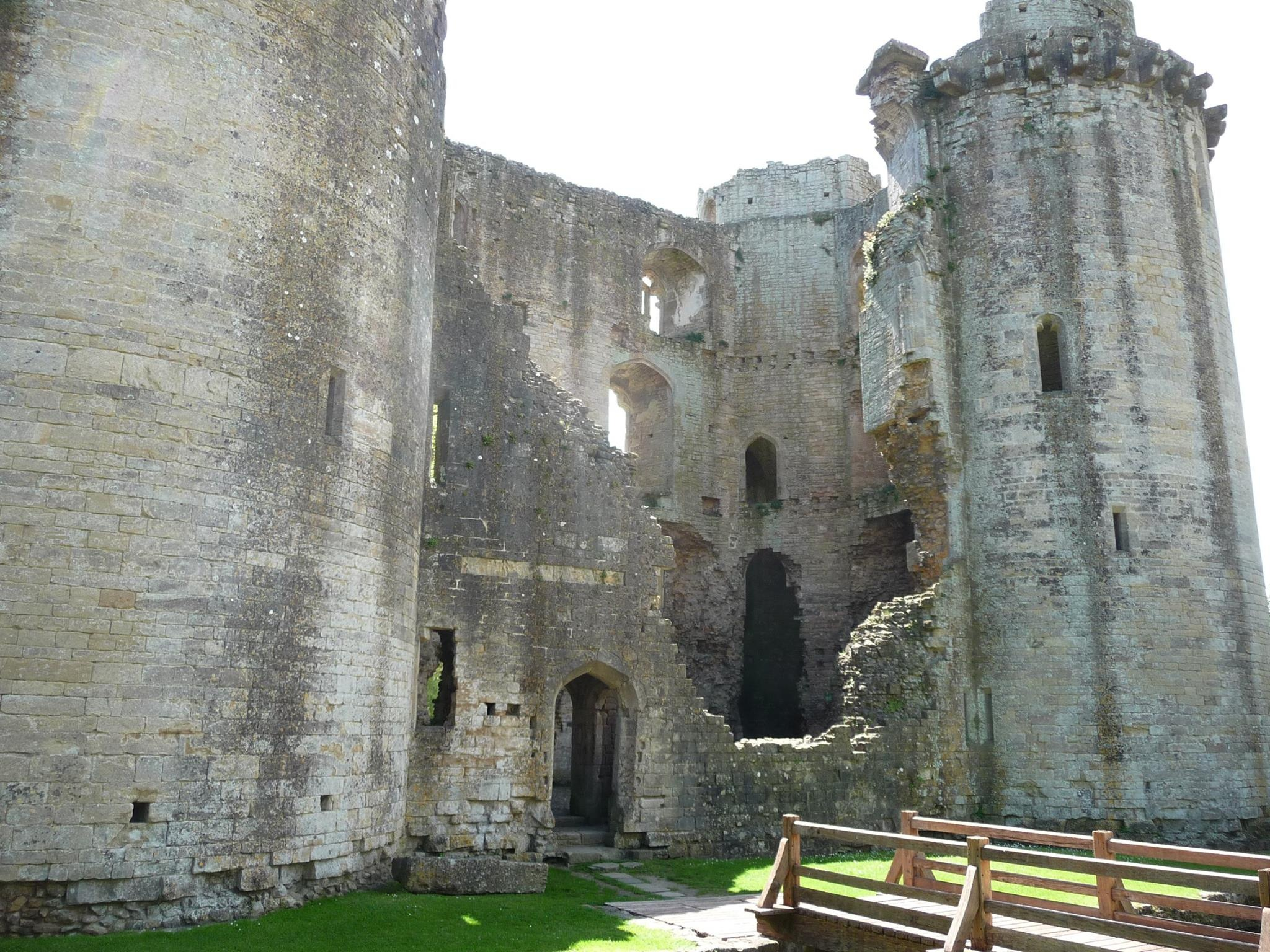 Nunney Castle Nr Frome in Somerset by Dave Ashman