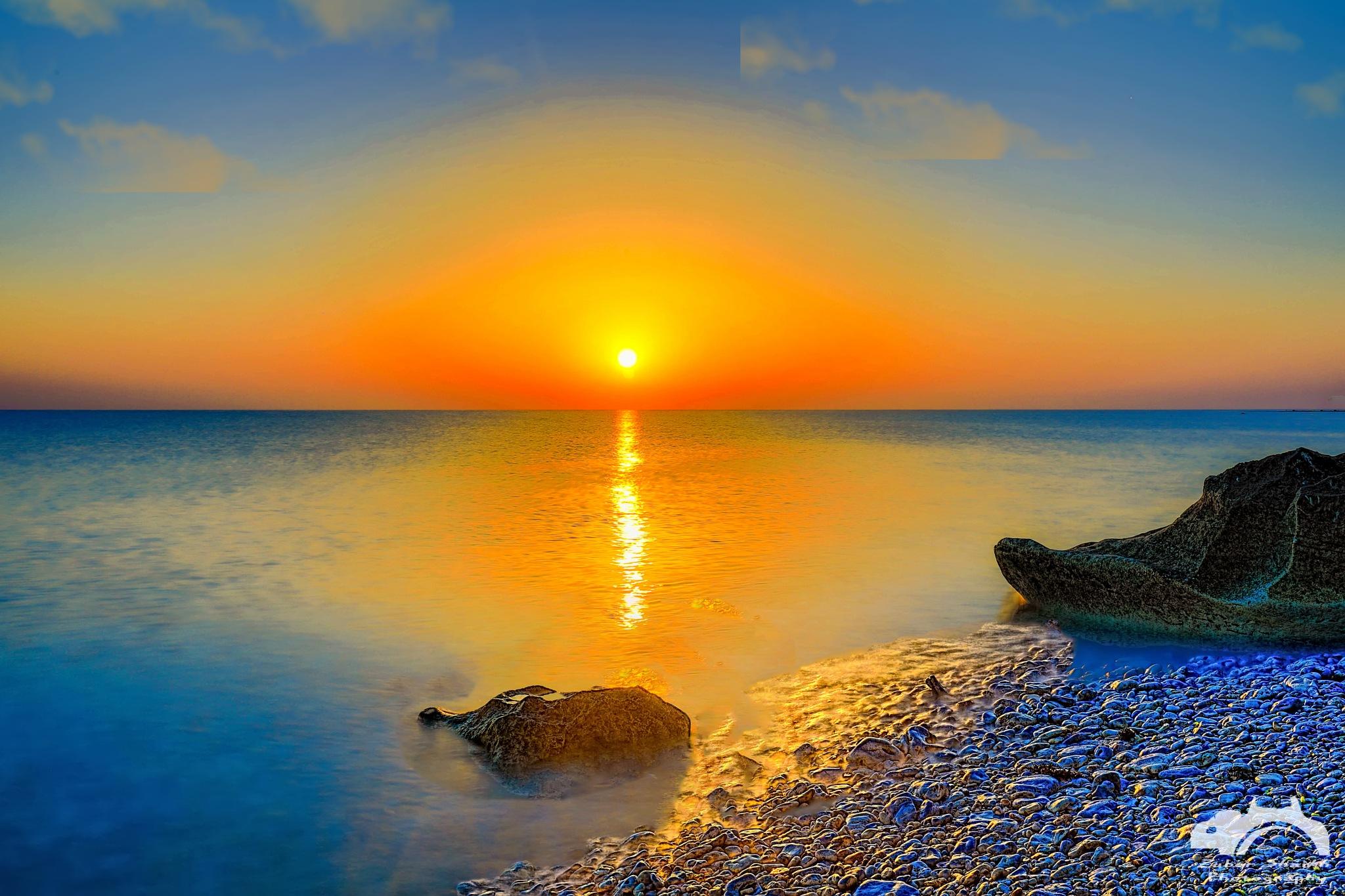 Fuwairit Beach by Zuber Shaikh
