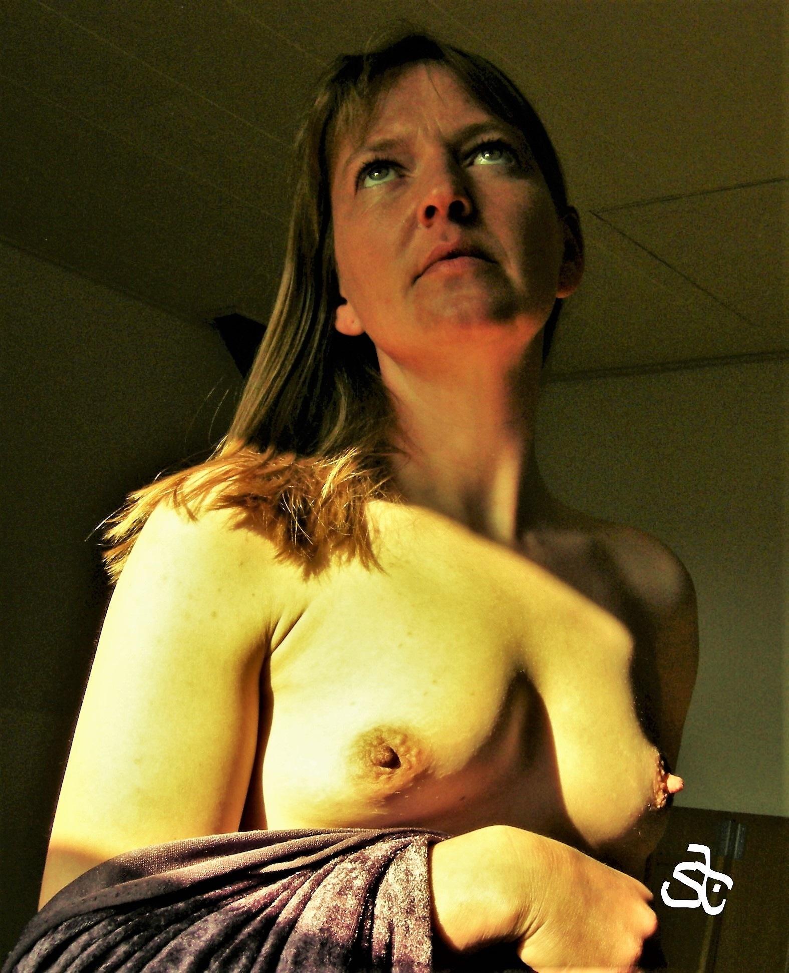 Topless - portrait 2. by Joergen Hansen