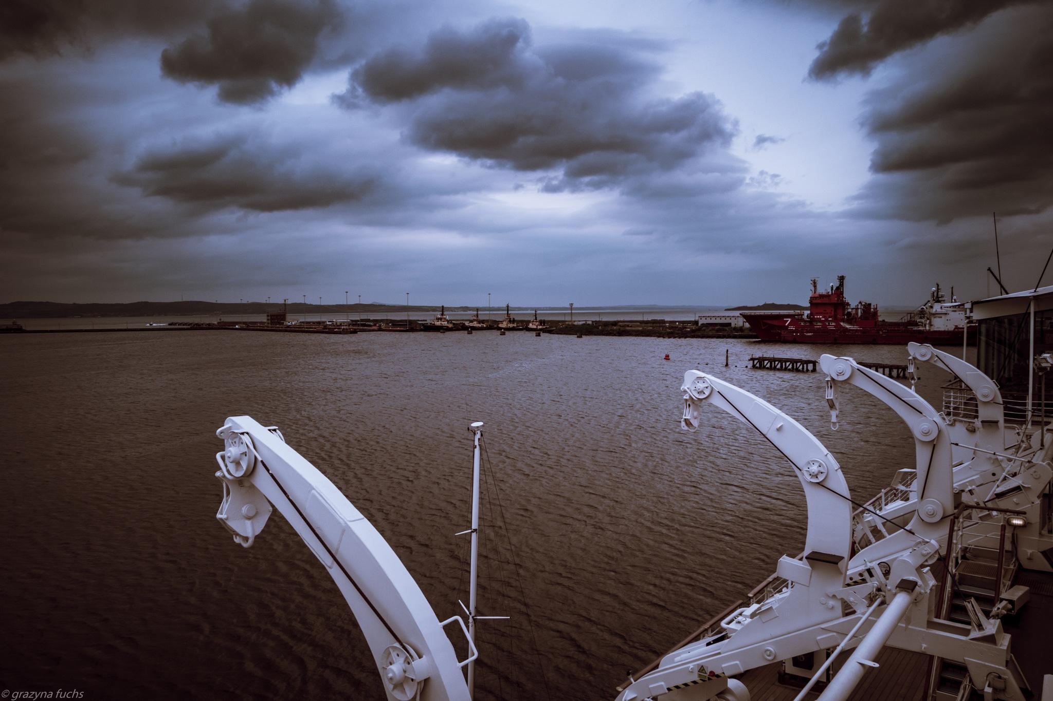 in Harbour by Grażyna Fuchs