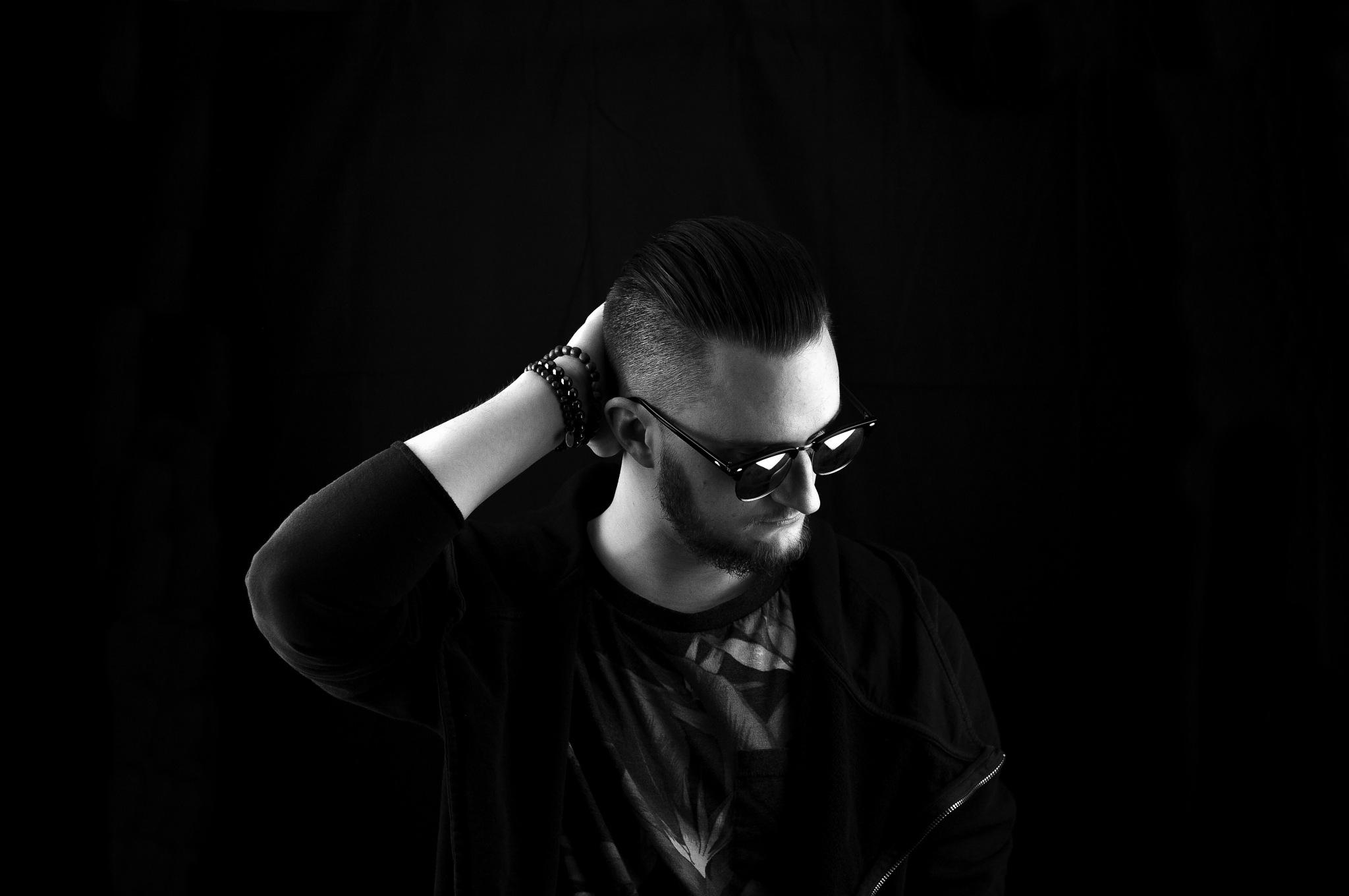 Sunglasses by AlessandroNobili