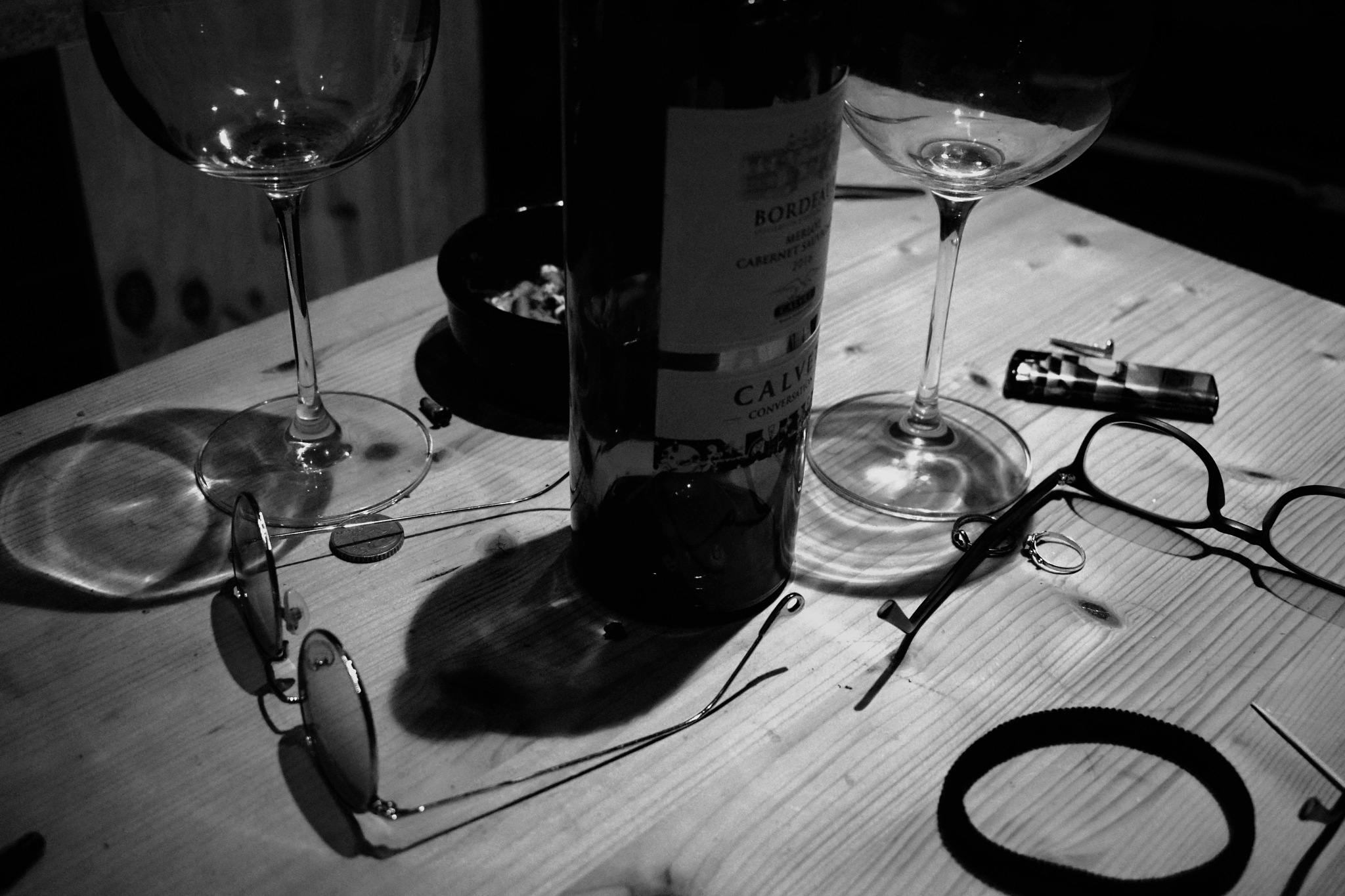 Glasses of wine by Gab Taurisano