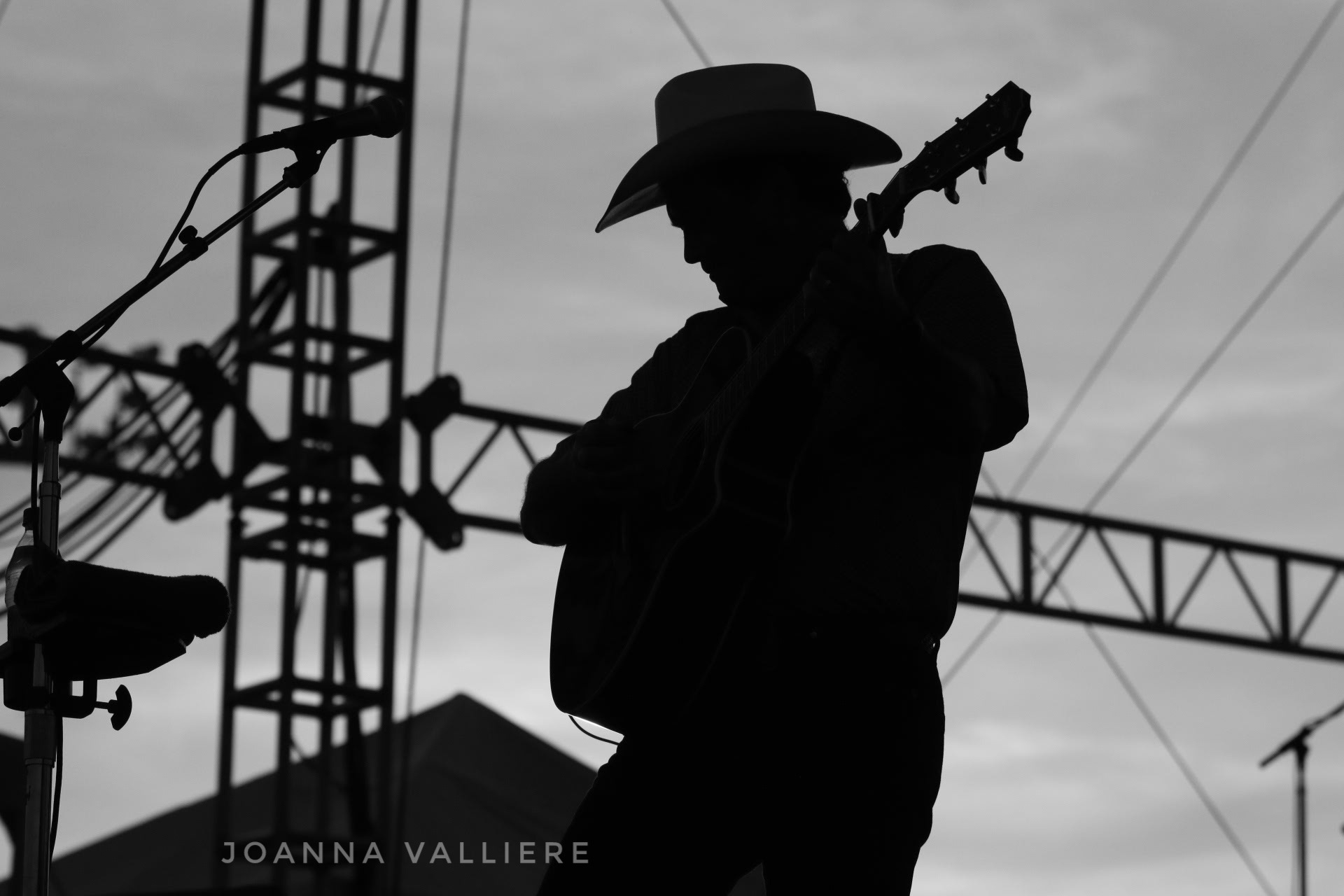 Tracy Byrd  by Joanna Valliere