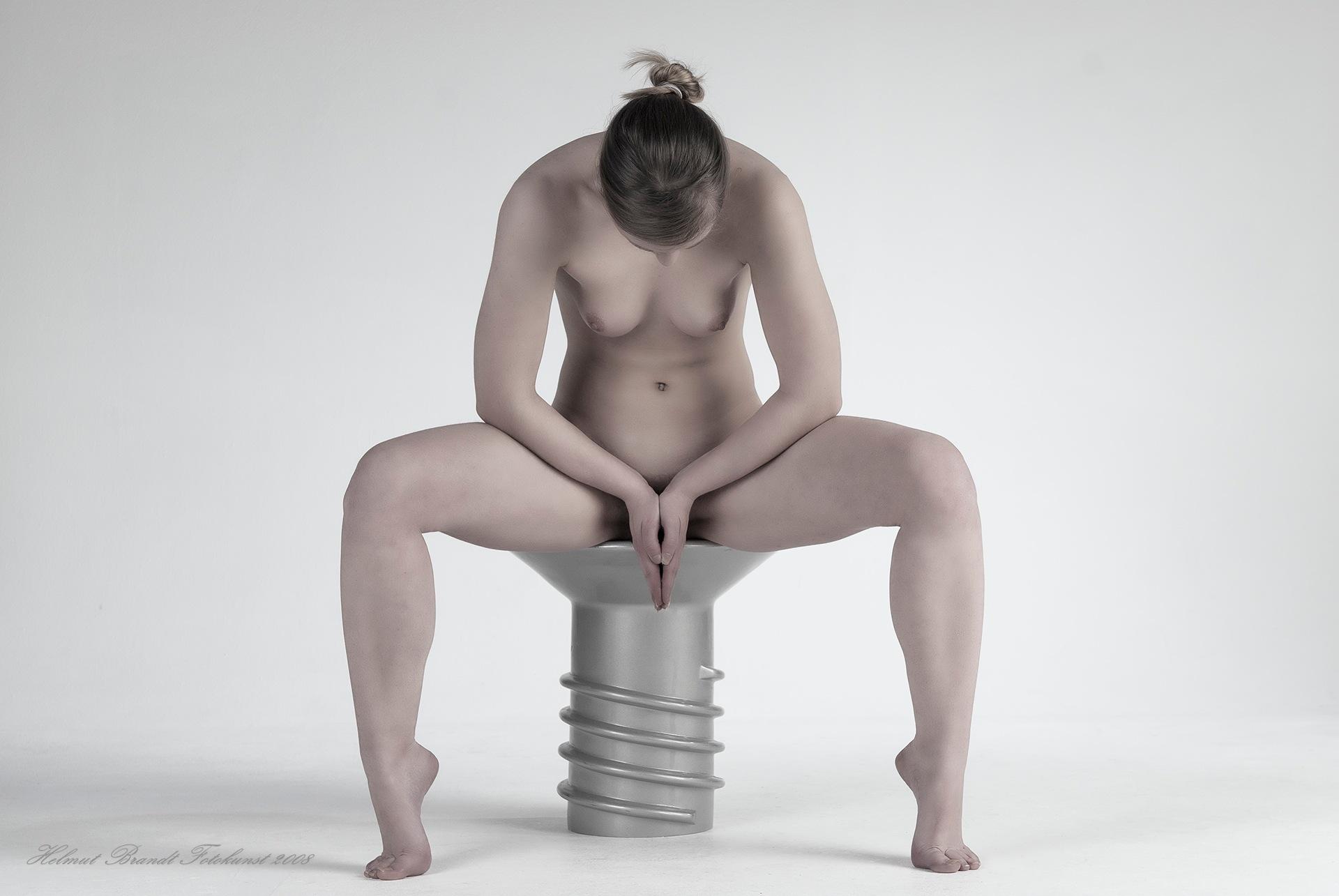 Claudia - Schraube - Screw by Helmut Brandt