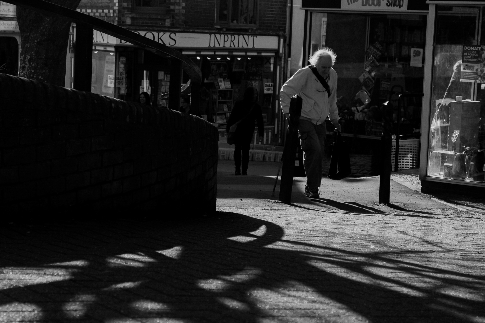 curved street shadows by Paolo Glen