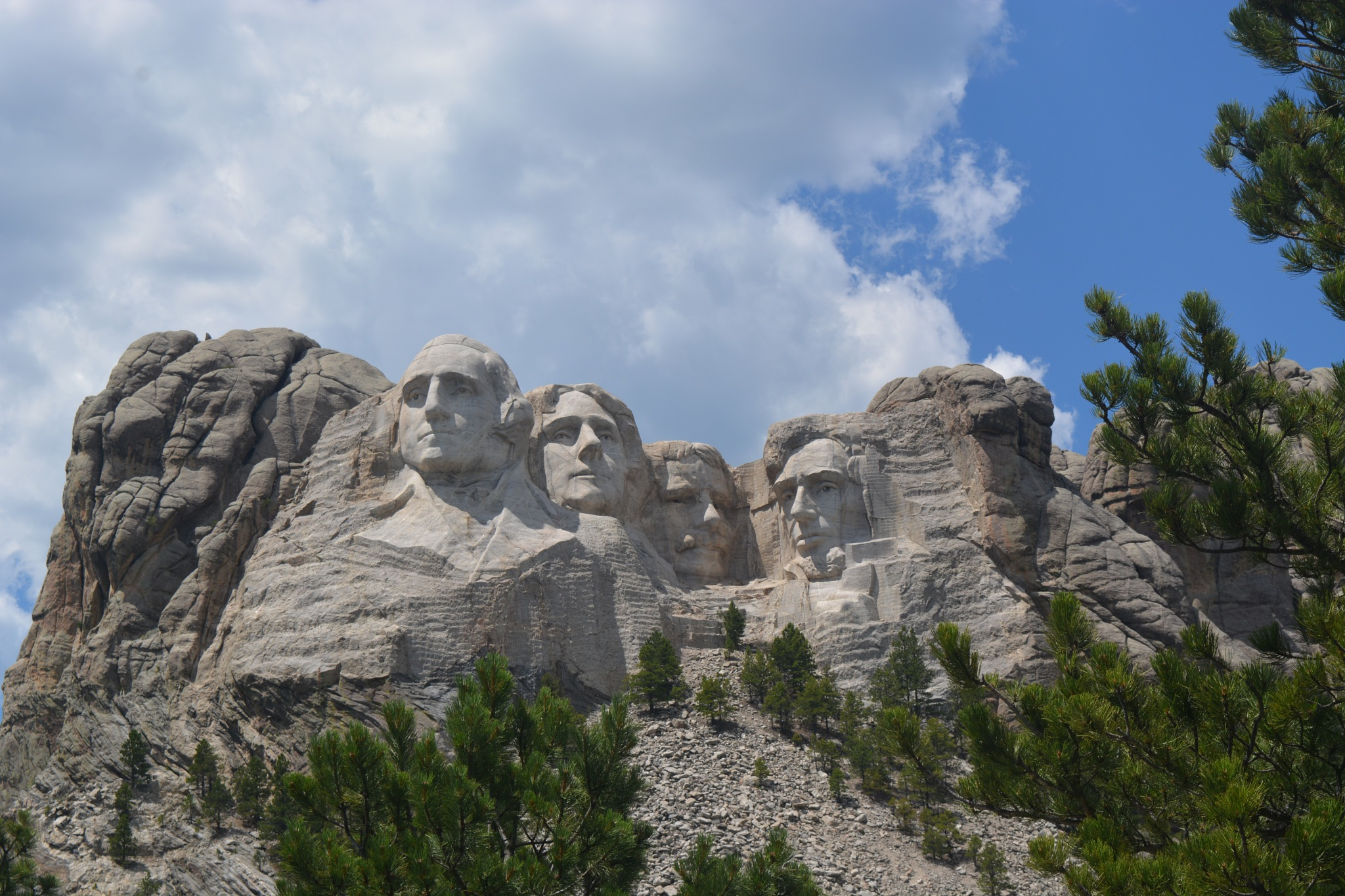 Mount Rushmore National Memorial by Gerardo Reyes