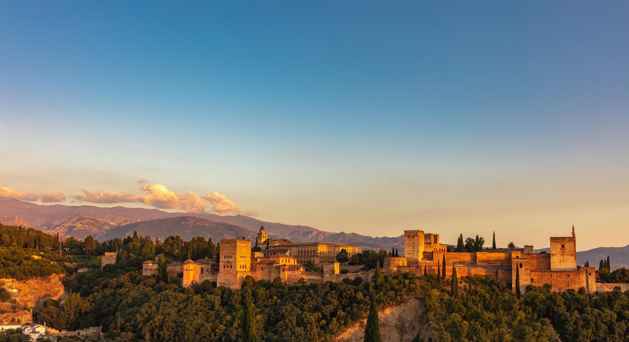 Alhambra sunset by Roberto Gonzalo Romero