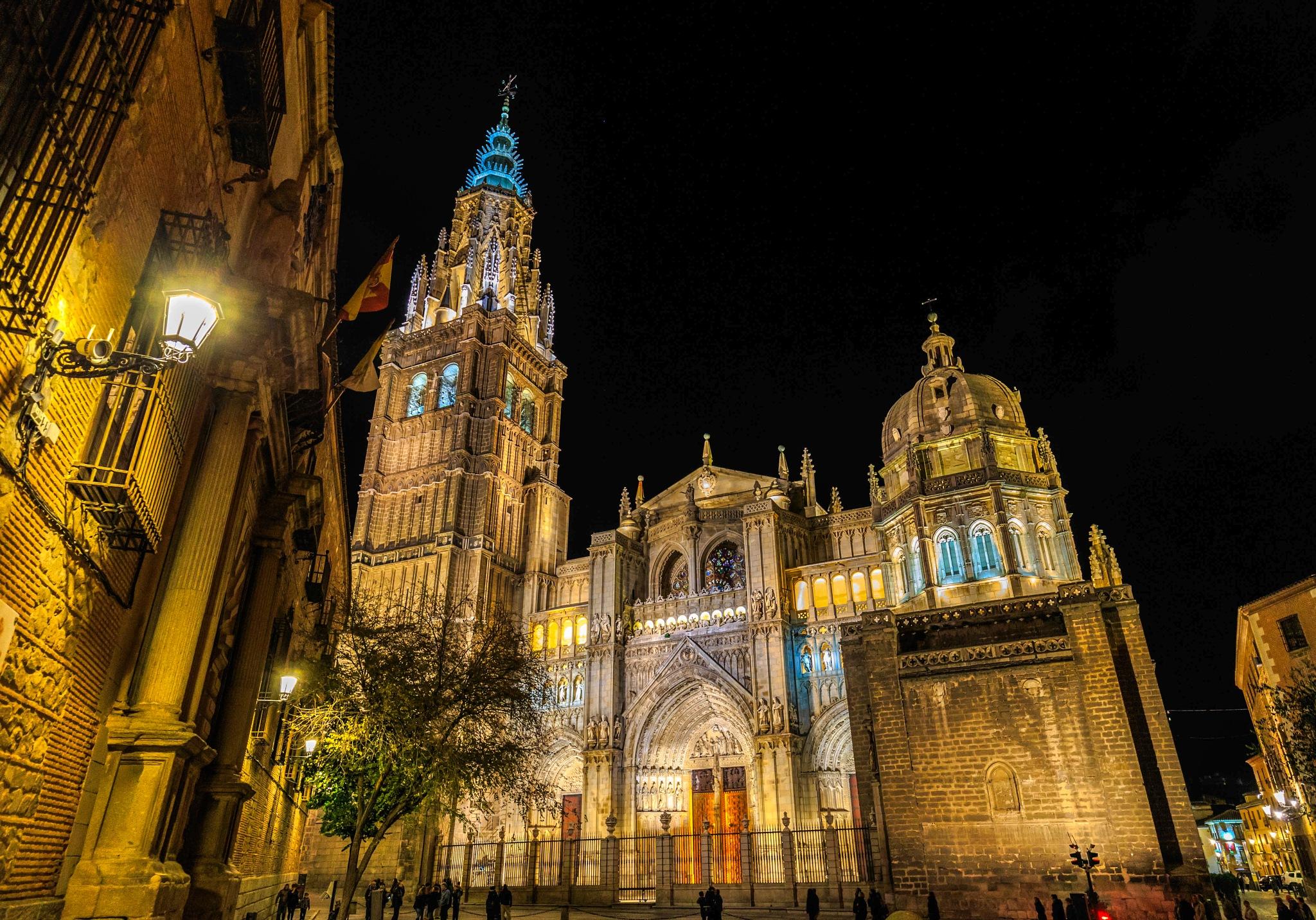 catedral de toledo by Roberto Gonzalo Romero