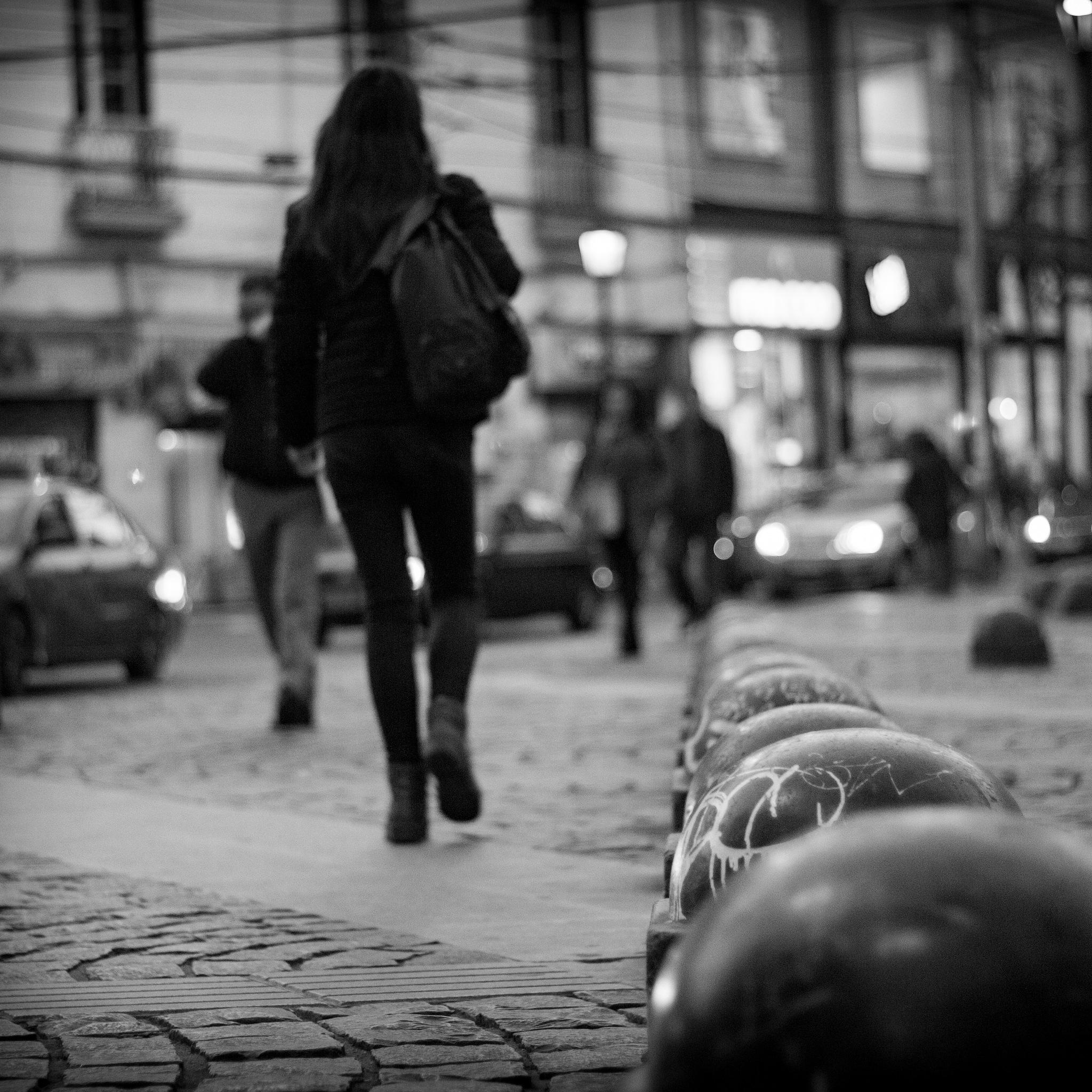 caminando por Valparaíso by fotorawmk