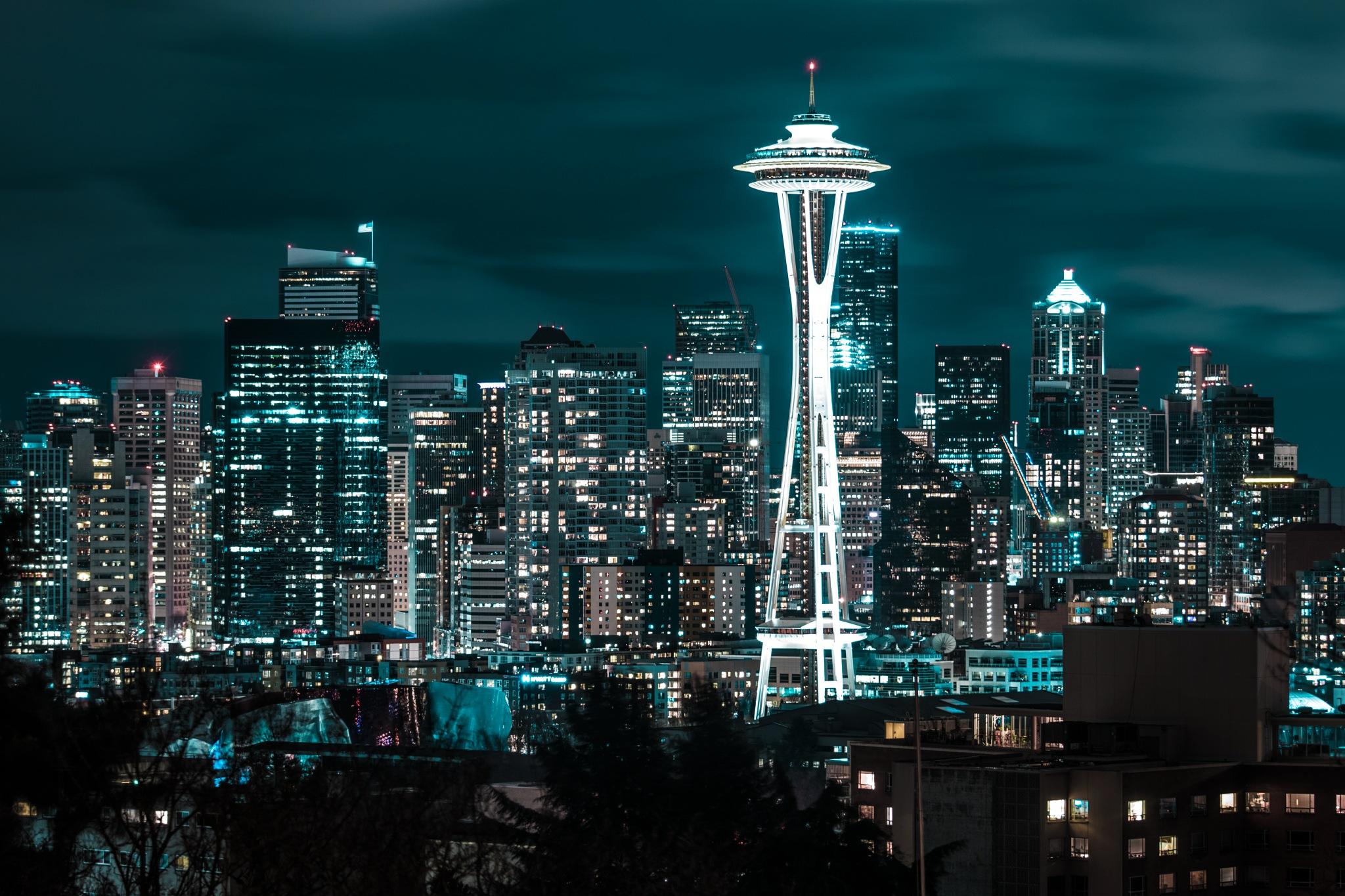 Seattle by Miguel Manzano