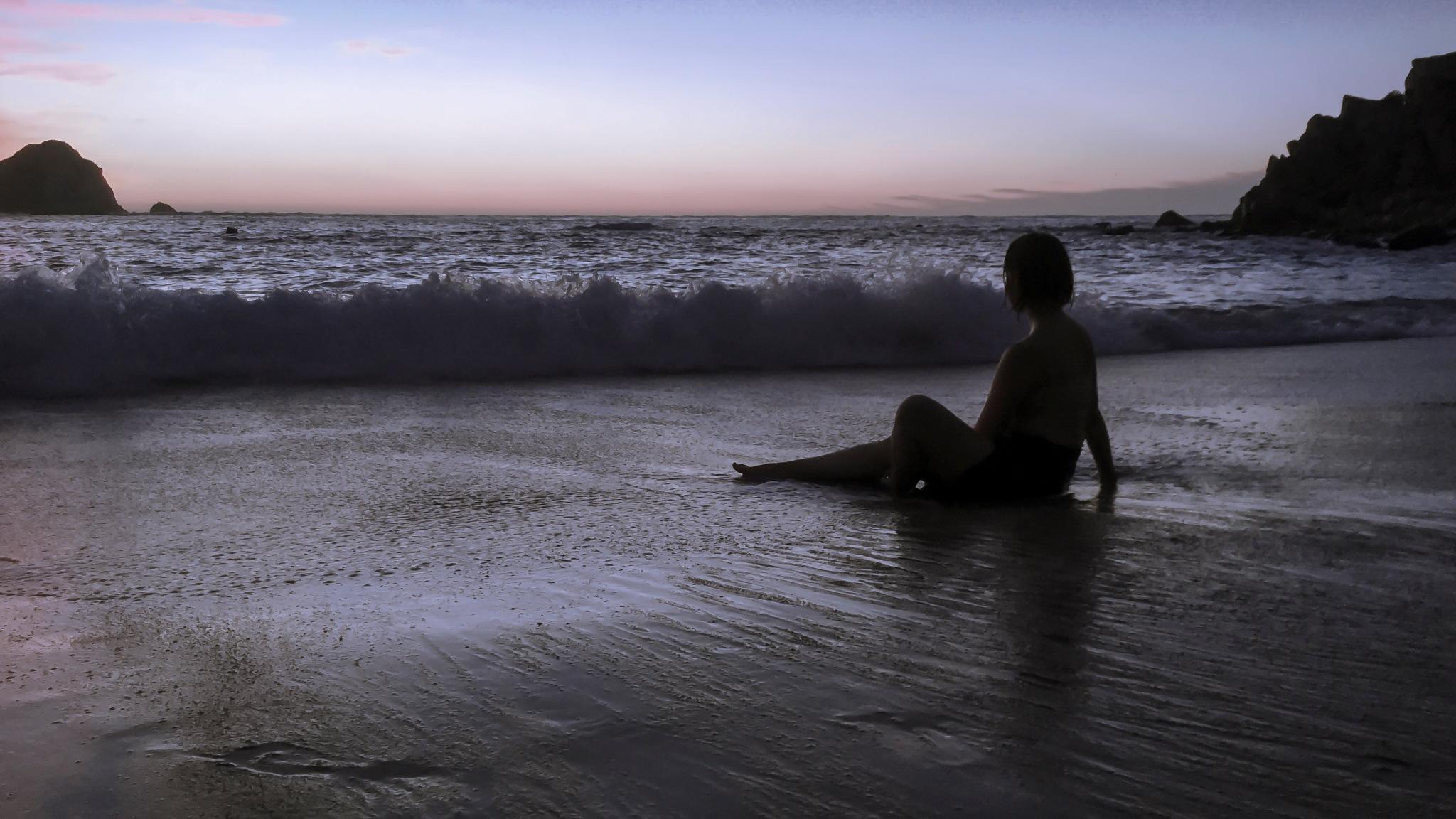 Sunset at the beach by Sebastian Mancilla