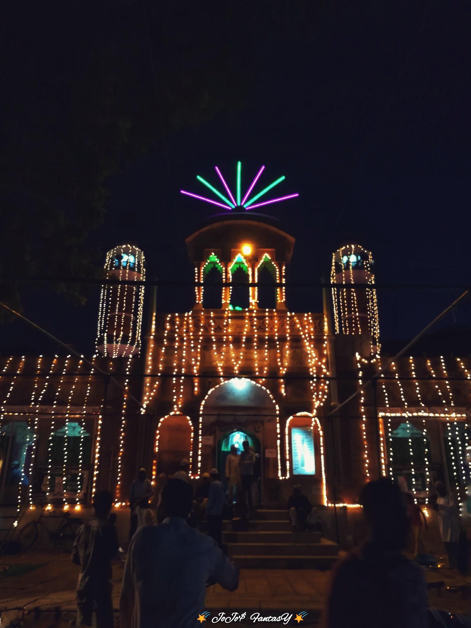 mosque at night by lijojose185