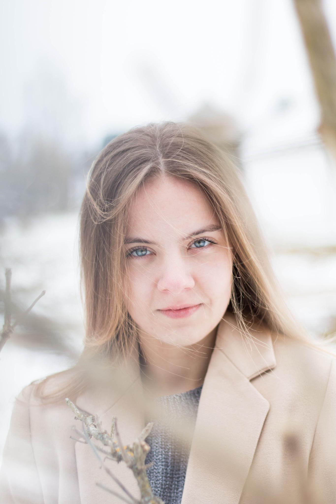 Windy eyes by Zuzana Ludvikova