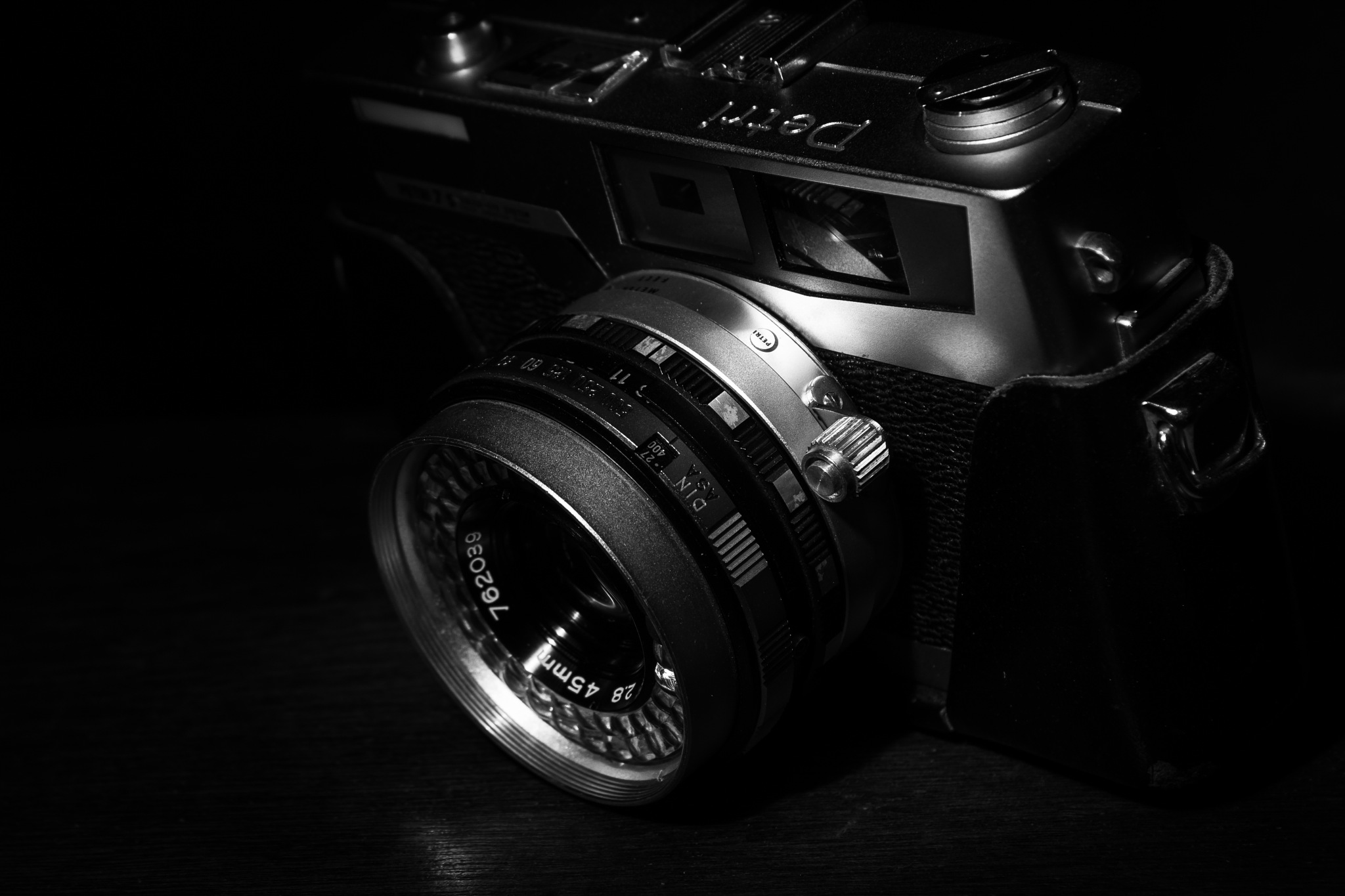Petri 7s 35mm rangefinder  by Patrick's Photo
