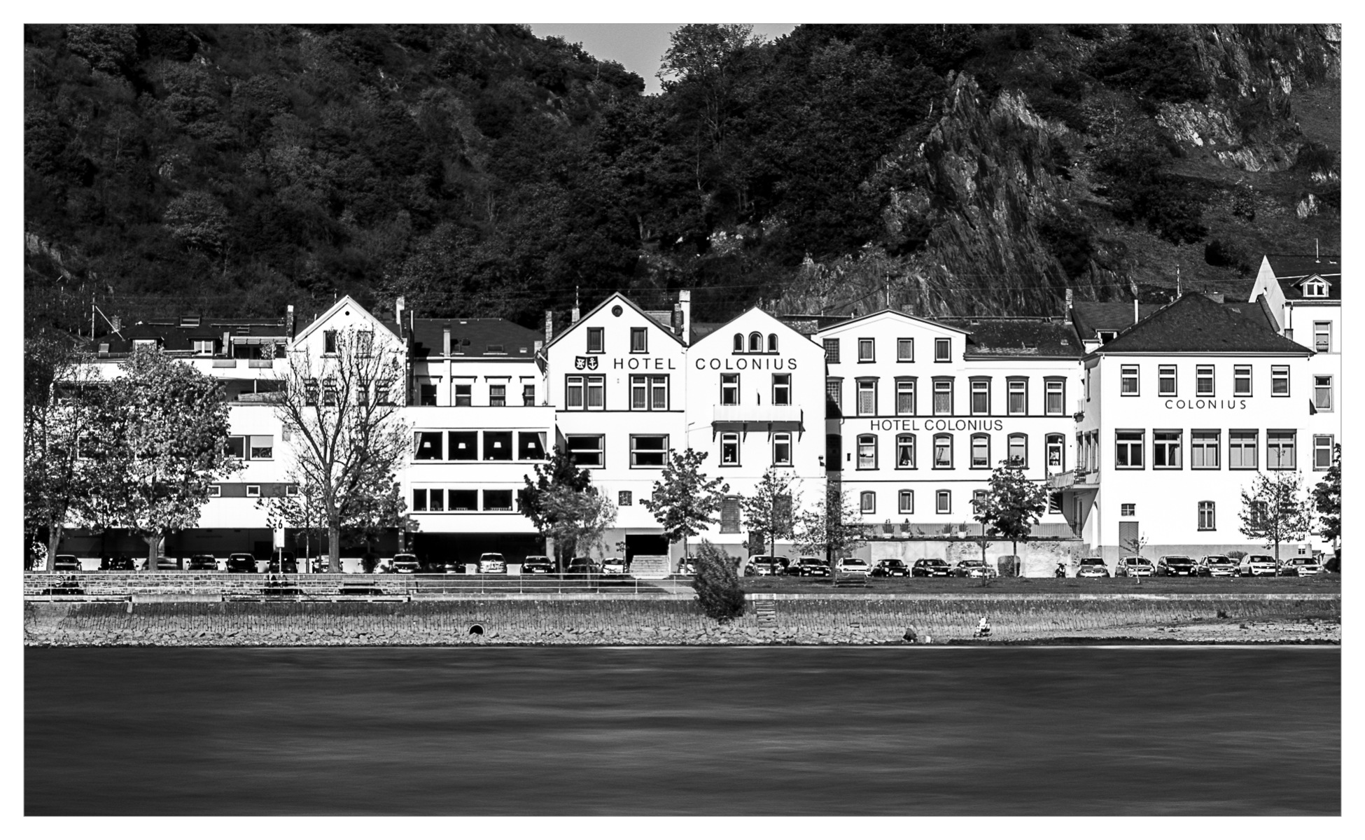Hotel By The River by faizalmoidu