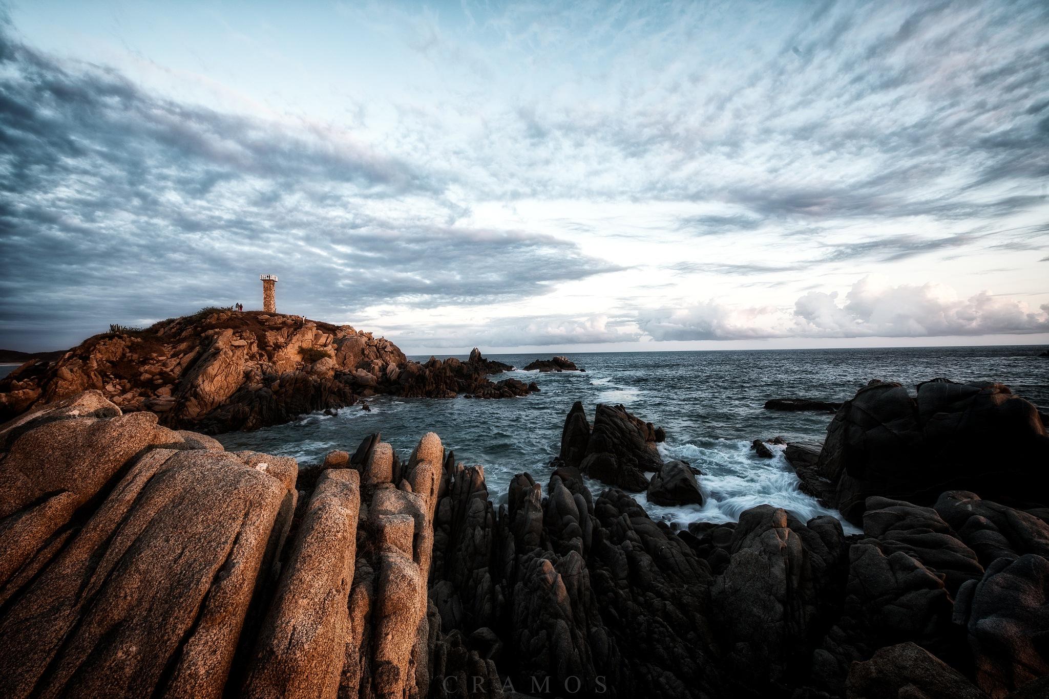 The lighthouse by César Ramos