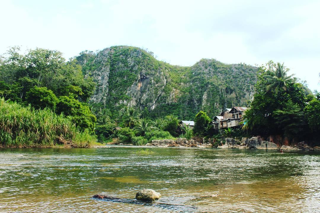 Keindahan Alam Hulu Sungai Tengah  by Rif'at Maulana