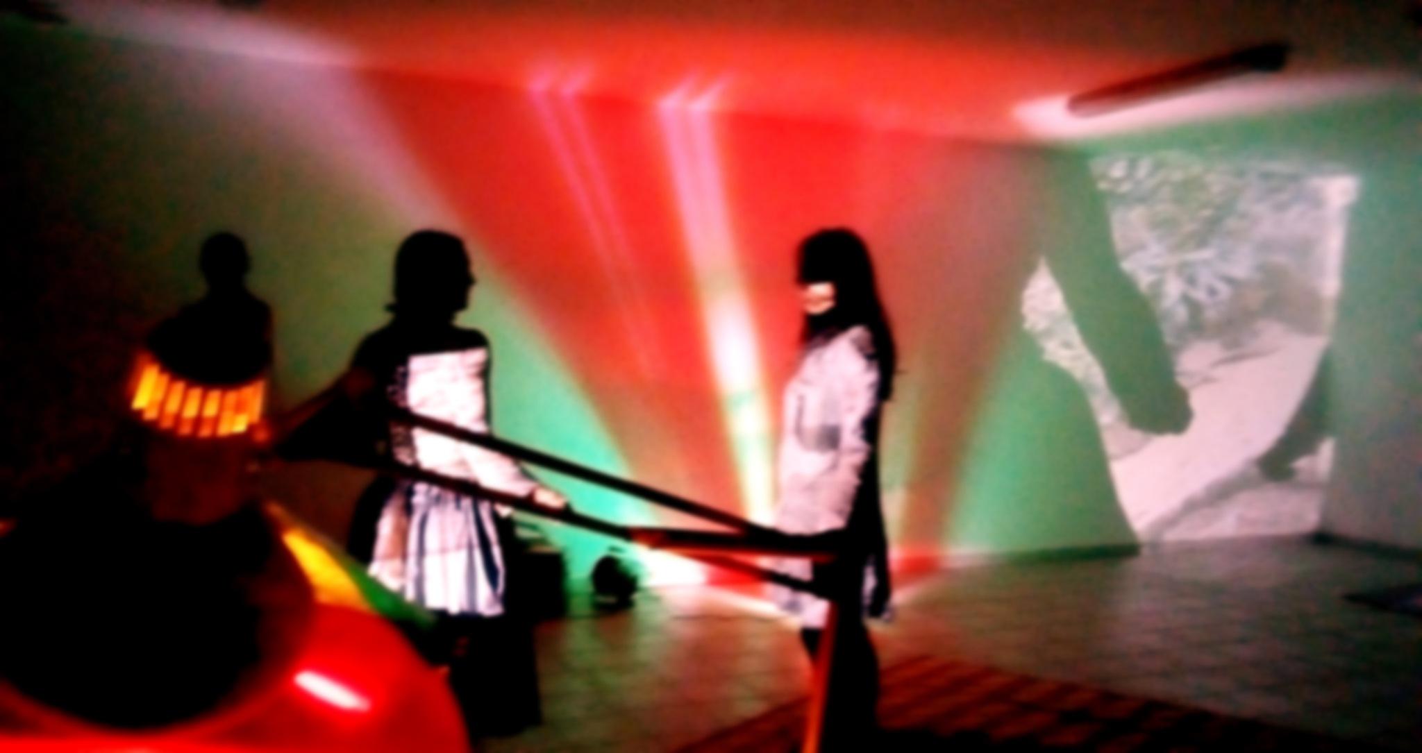 3 en el escenario by Guaya Milán