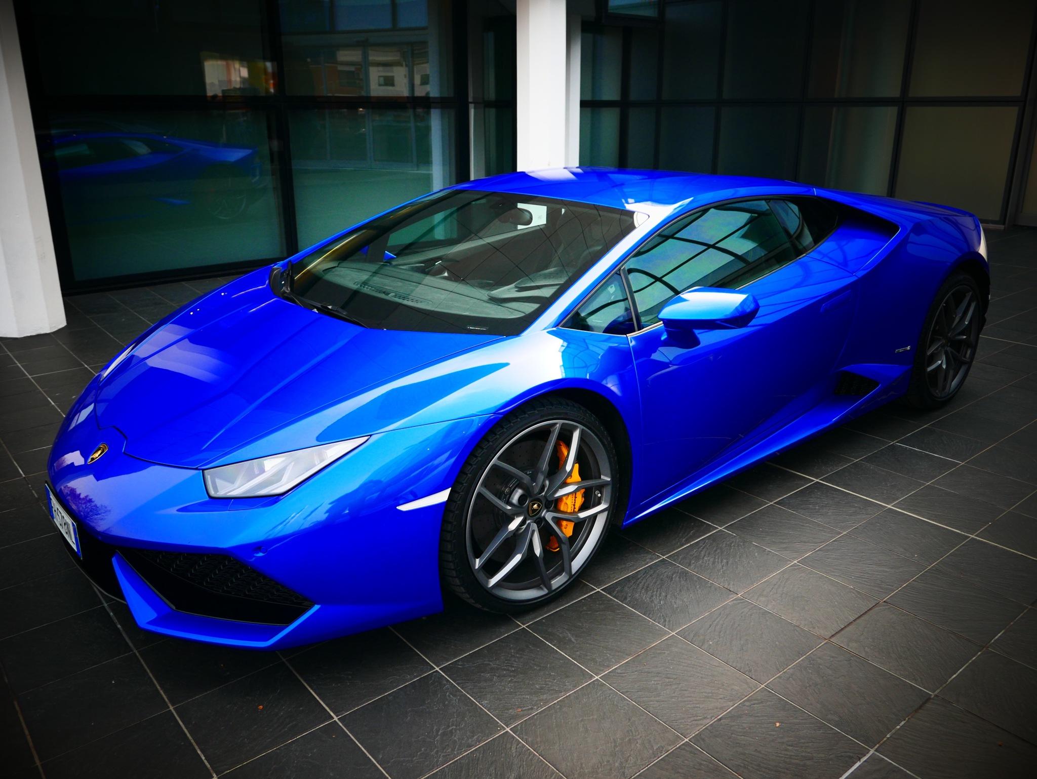 Blue Lamborghini  by Mau056