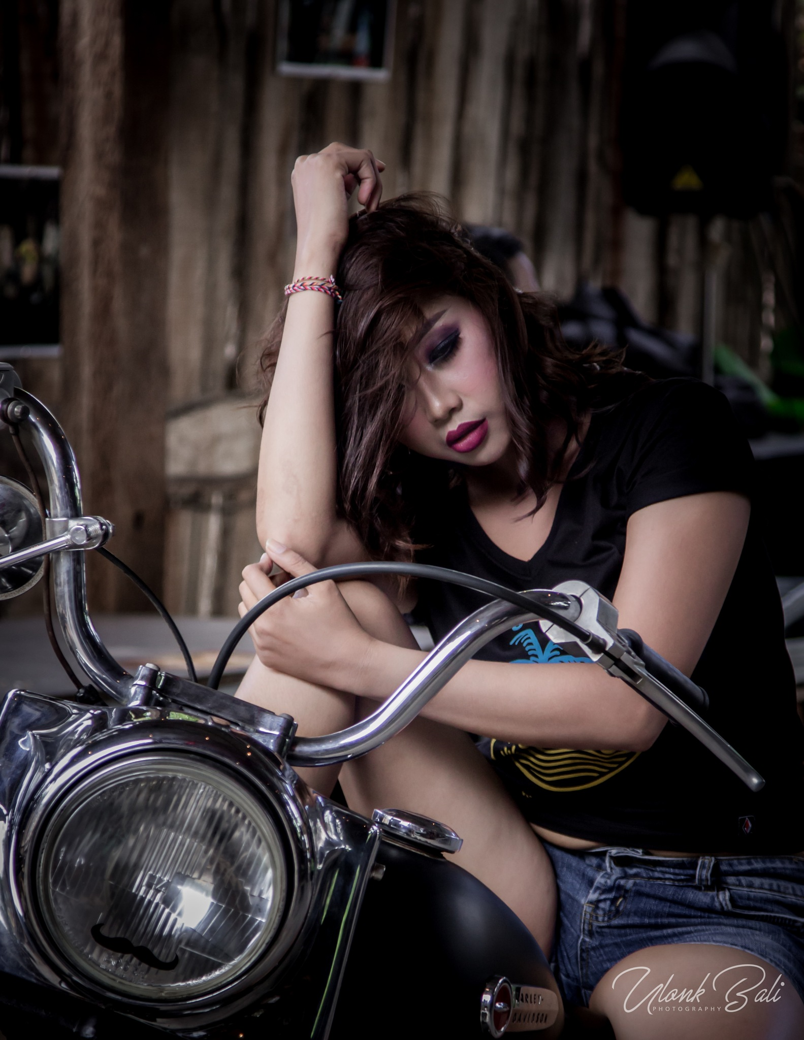 beauty on garage by Ulonk Bali Photography