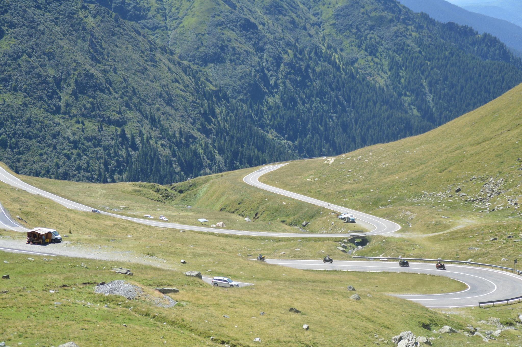 Transfăgărășan road by Maoz Taganski