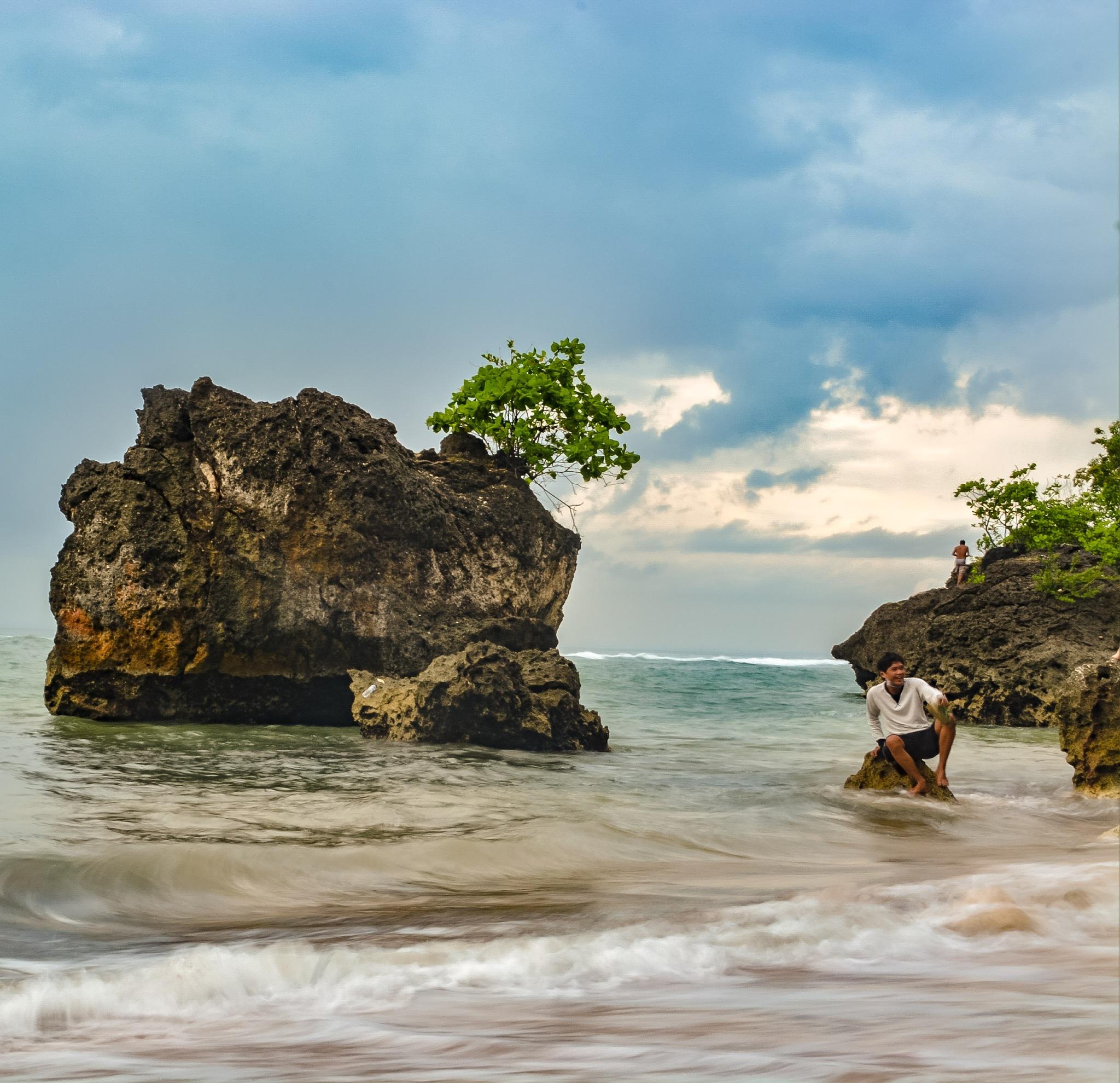 Padang Padang Beach, Bali by Mahyudin Djunaidi