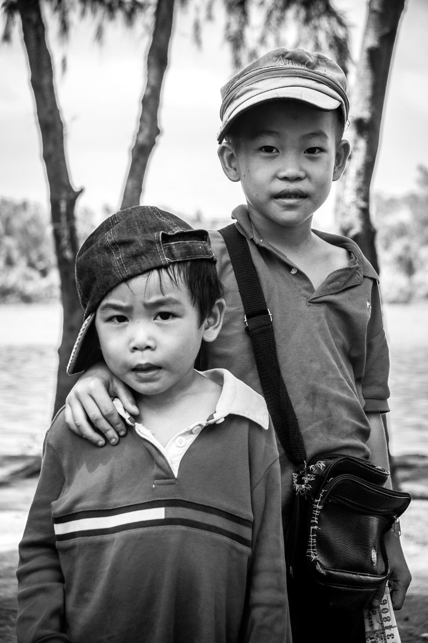 Street kid 02 by Tuấn Khanh