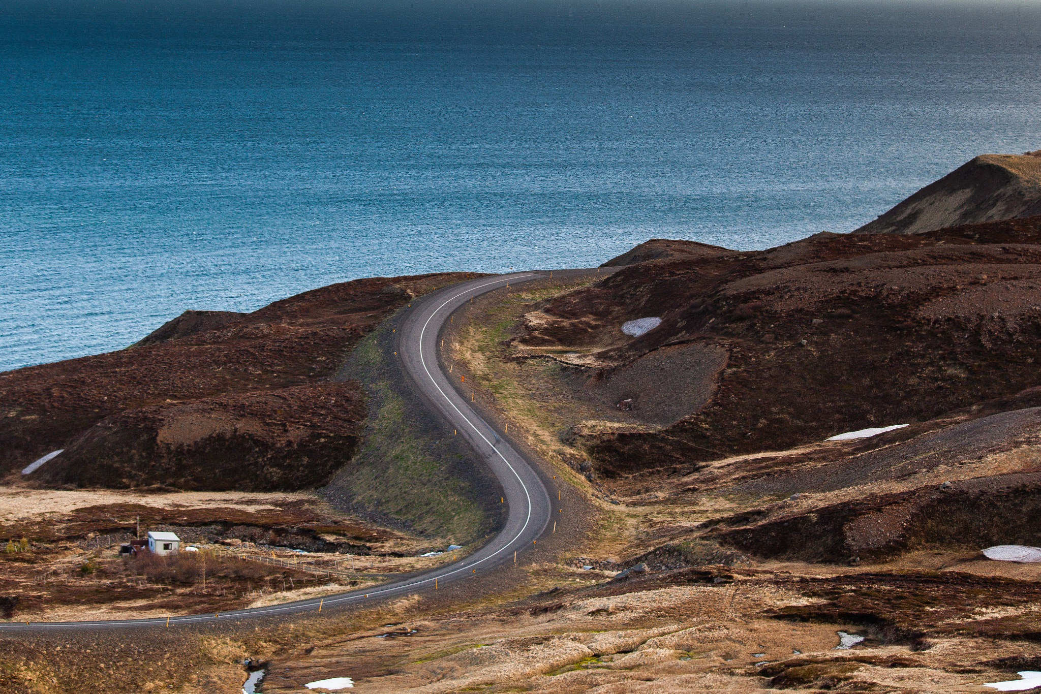 Winding road by Ingvar Erlingsson