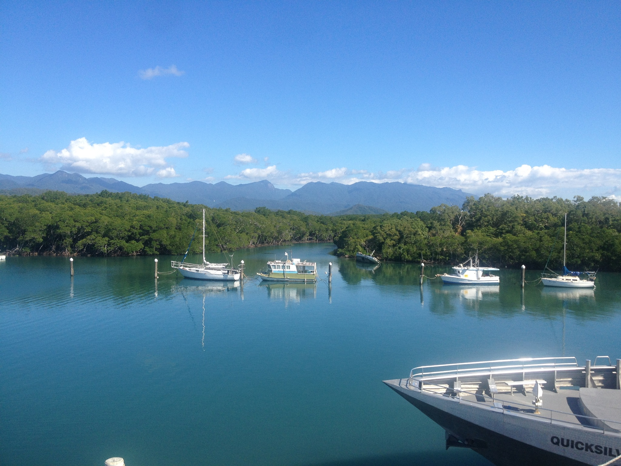 Airlie Beach  by HalalAdventure