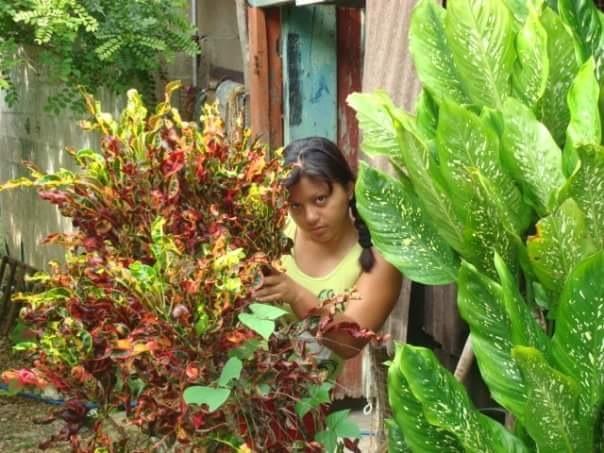 Mi esposa en Baca, Yucatan  by Victor Mario Castillo Pirez