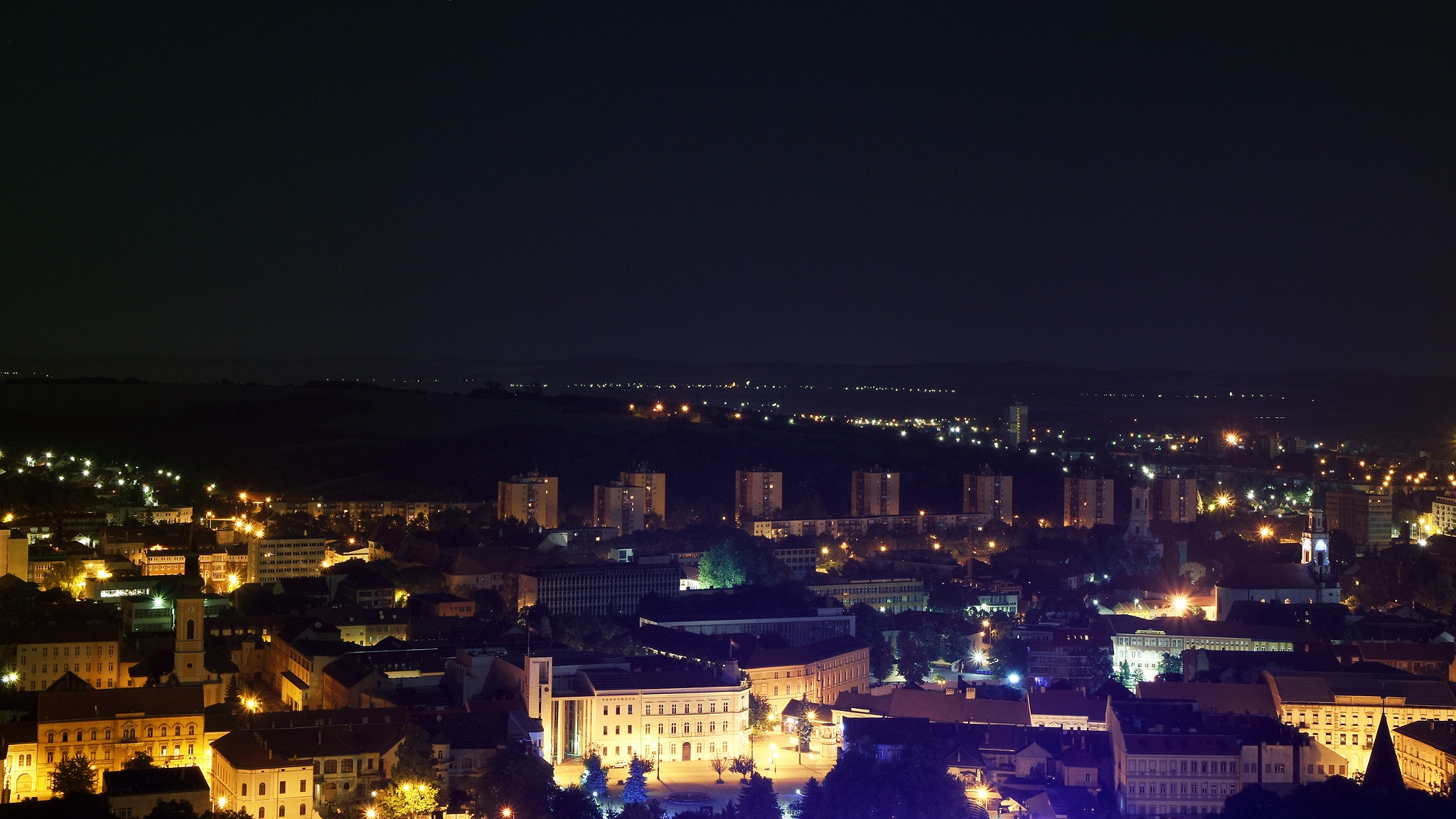 Miskolc by Adrián Bardi